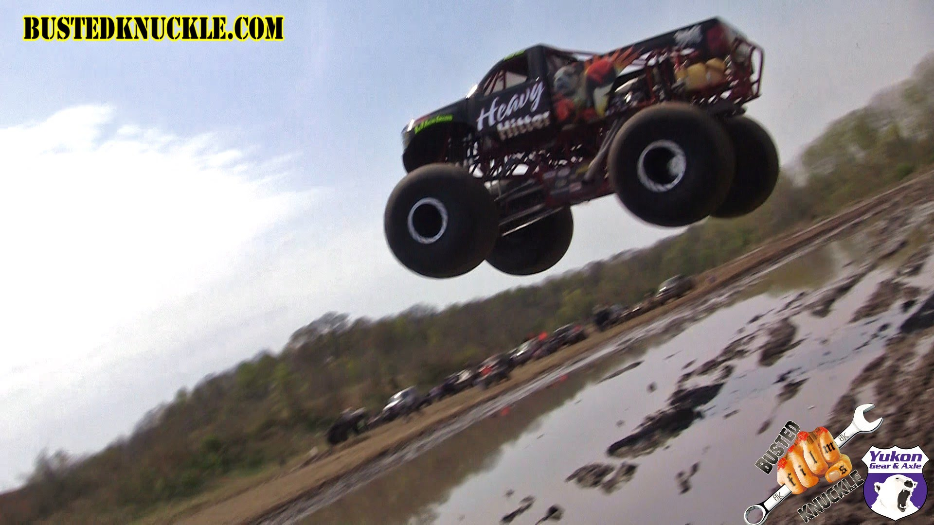 MONSTER TRUCK DAM JUMP - YouTube