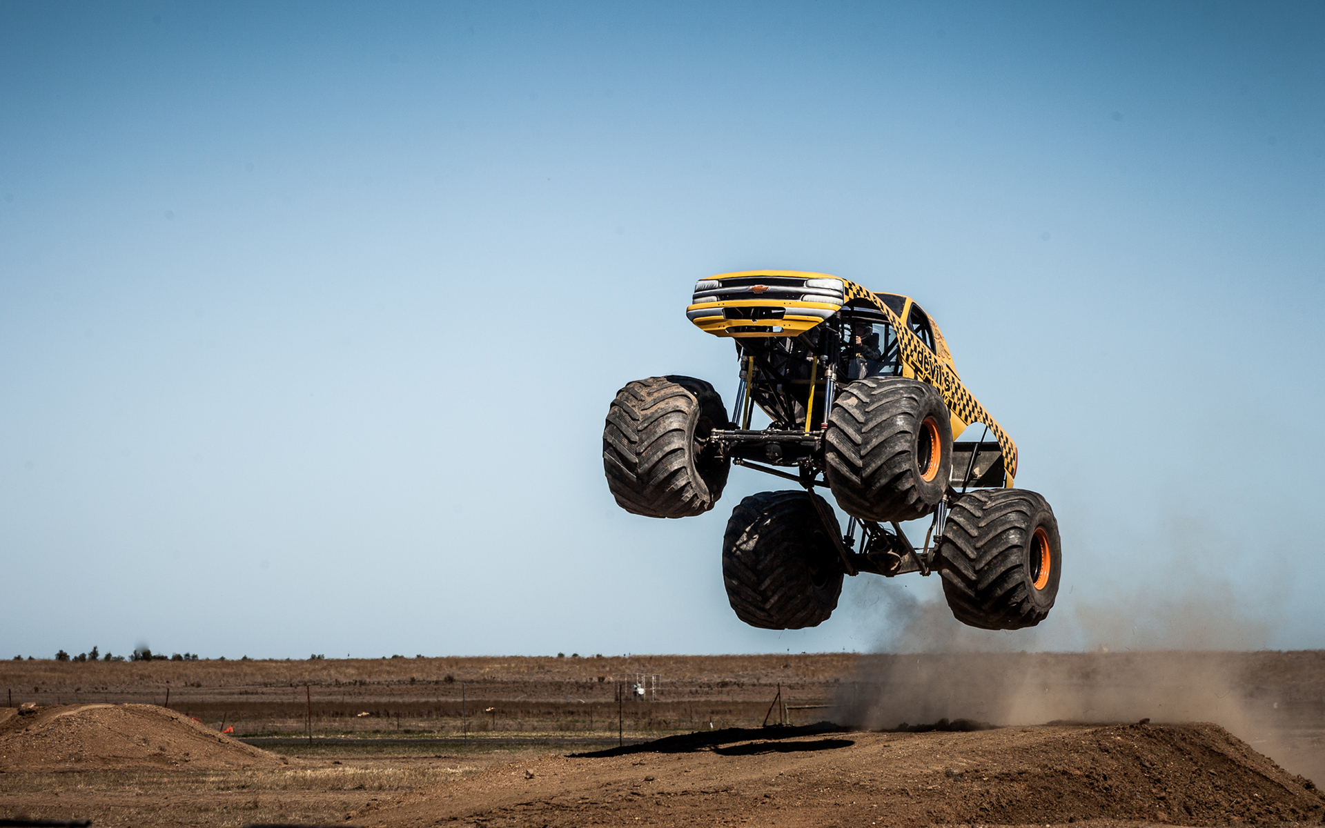 Monster Truck Jump Stop Action Truck HD wallpaper | sports ...