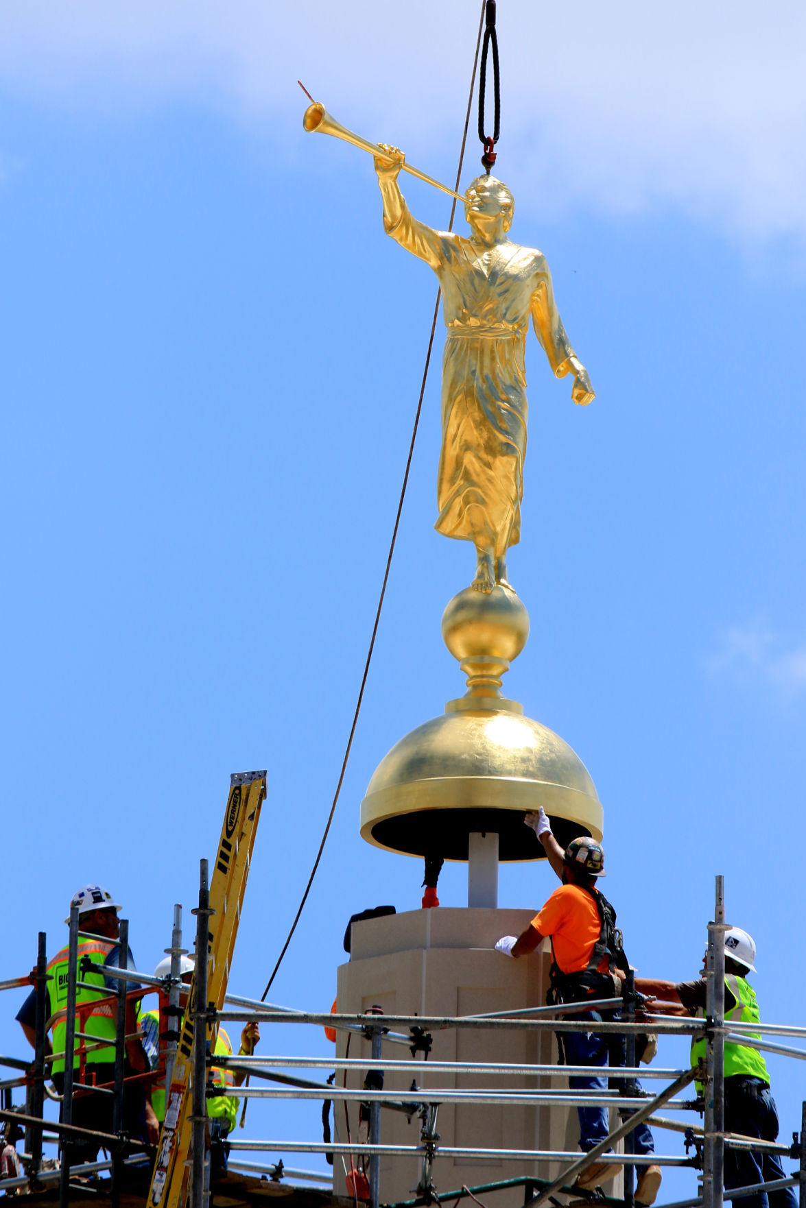 Golden statue placed atop Mormon temple in Tucson | Home + Life + ...