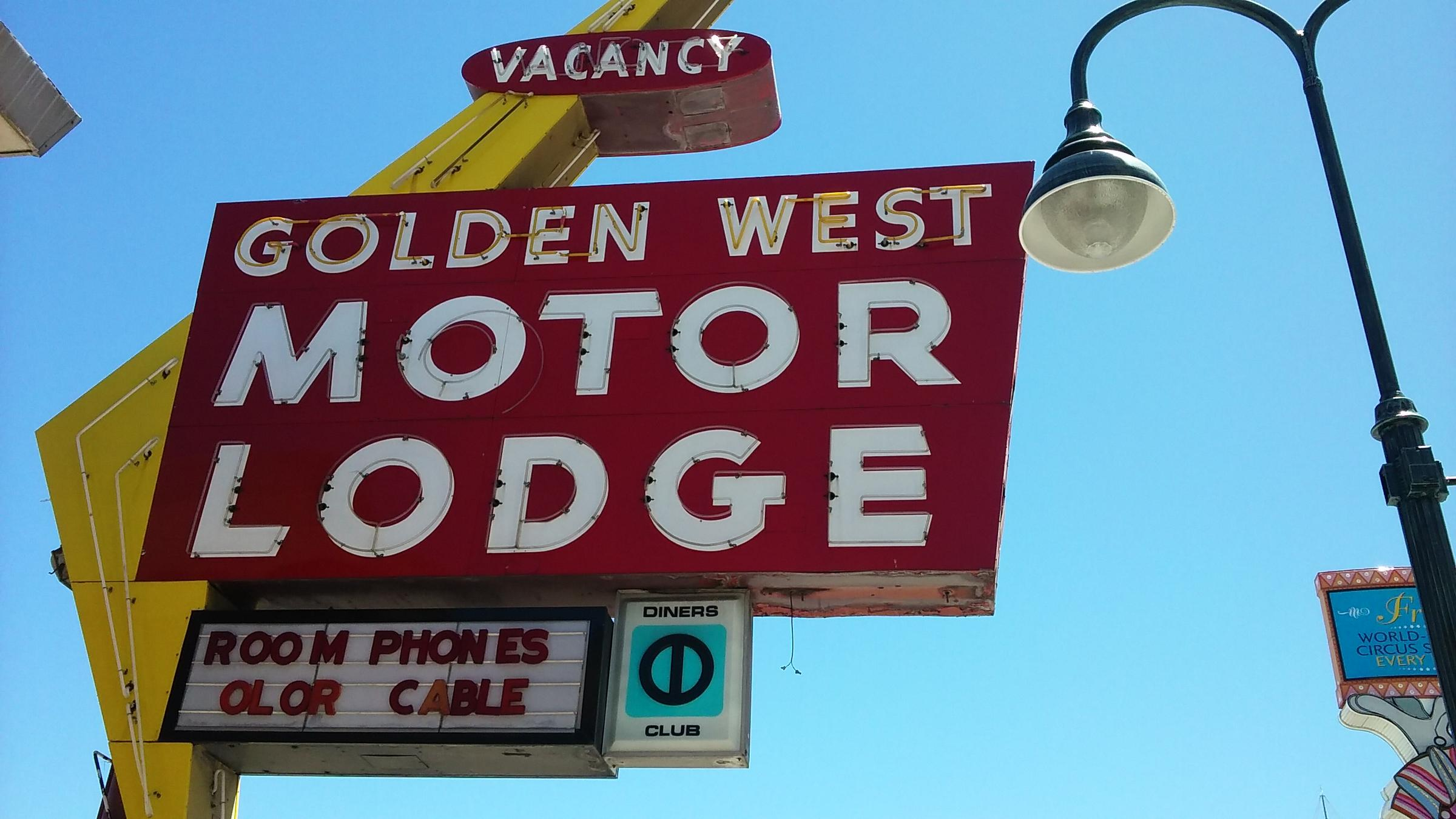 Reno Collector To Preserve Iconic Motel Signs   KUNR