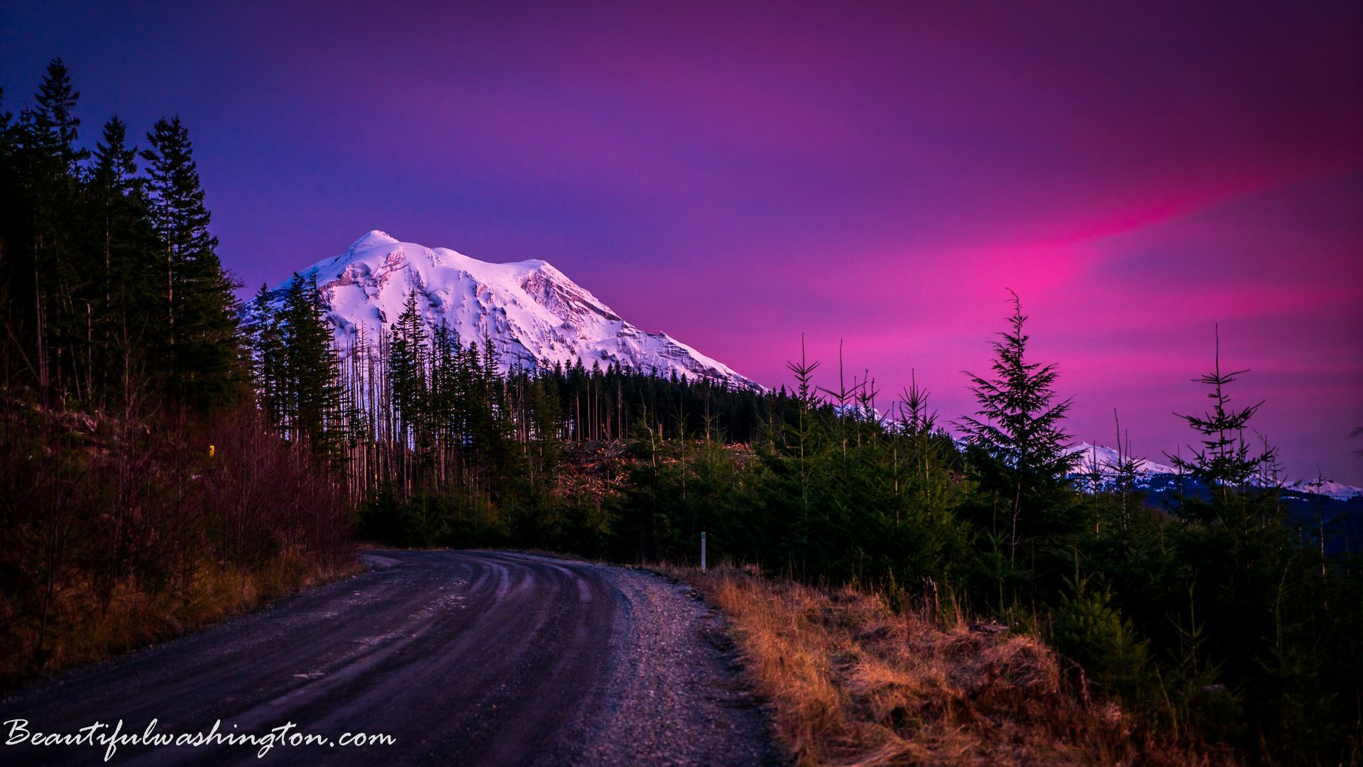 Mount Rainier: Deceptive enchantment of the most prominent ...