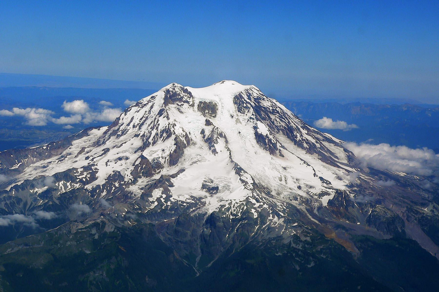 1970: THE UNEXPLAINED: Mount Rainier, Washington - Subterranean Bases