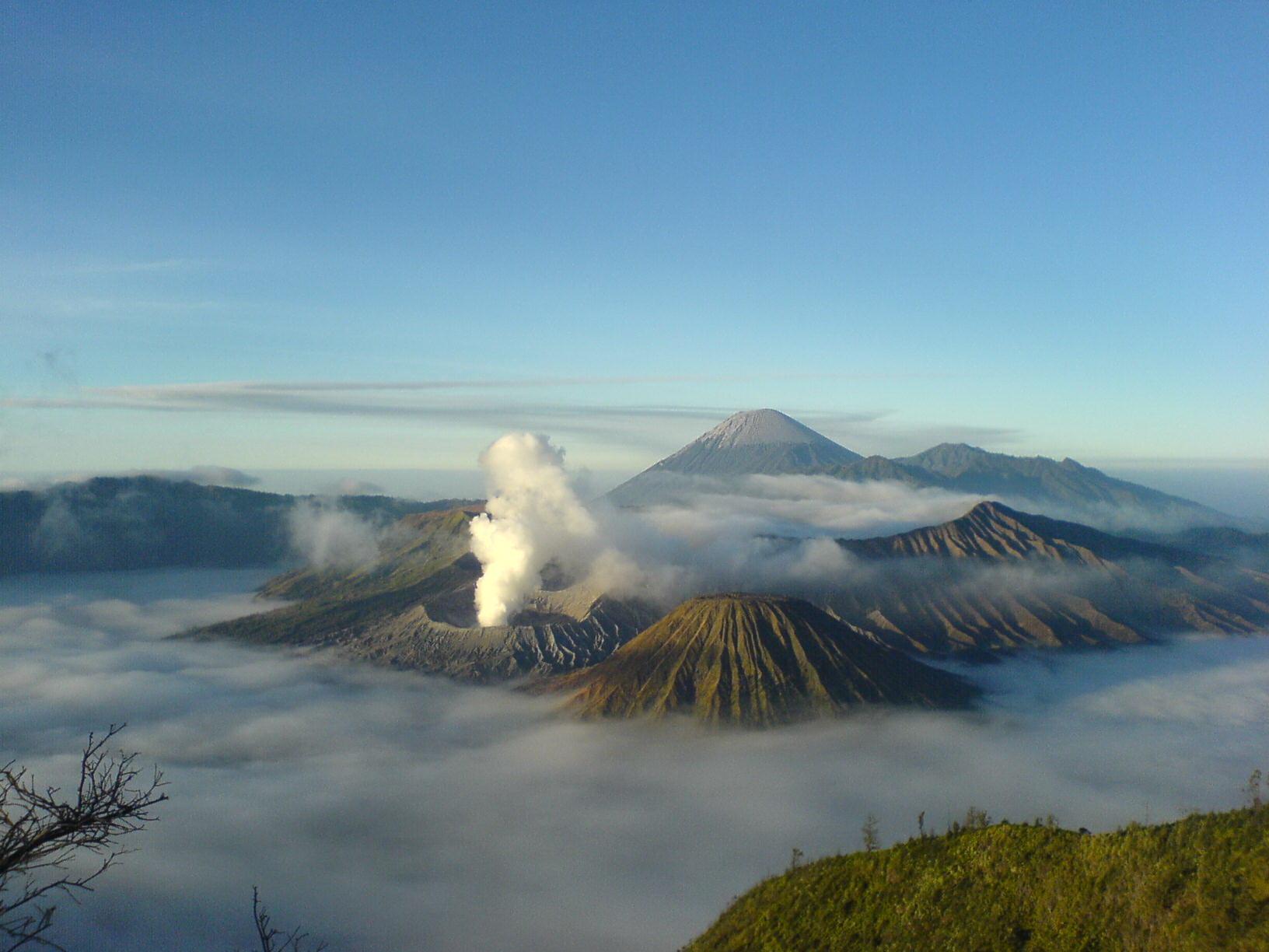 Mountain landscape, Clouds, Eruption, Hills, Landscape, HQ Photo