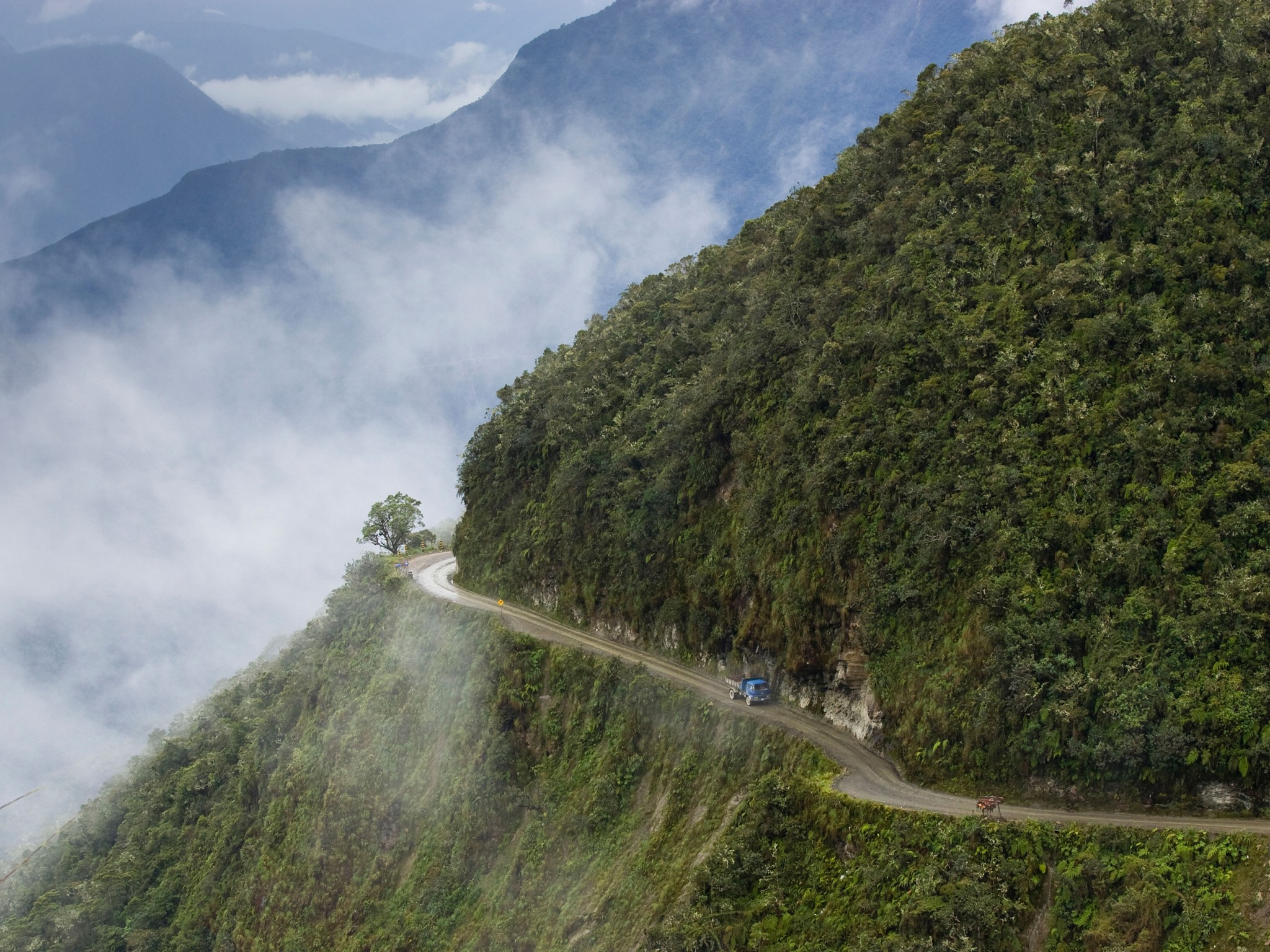Mountainous route photo