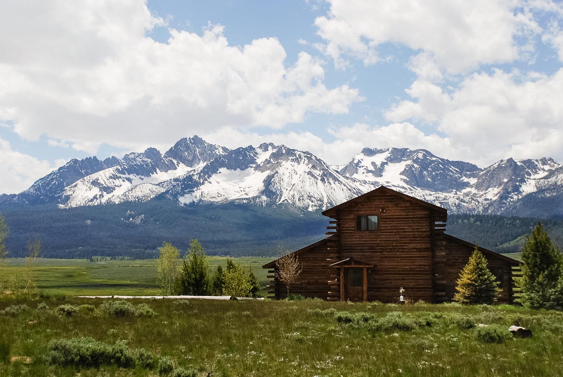 Sawtooth Vista Rentals   Mountain View Home
