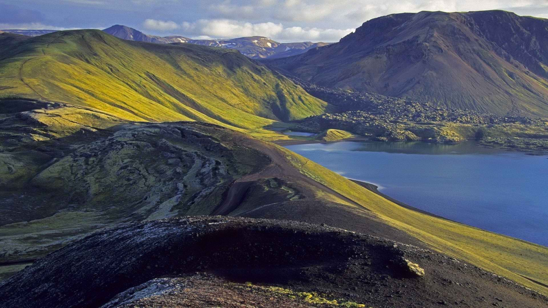 Inhospitable mountainous terrain in Iceland wallpapers and images ...