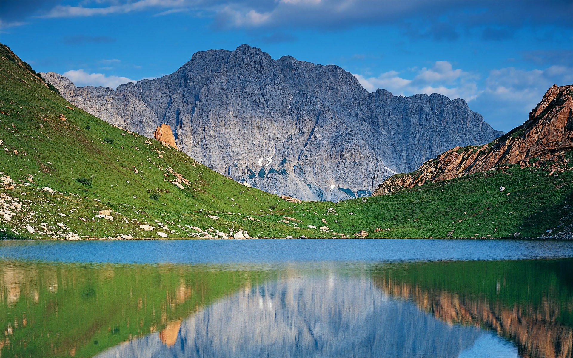 Mountain: Beautiful Lake Austrian Mountains Austria Mountain ...