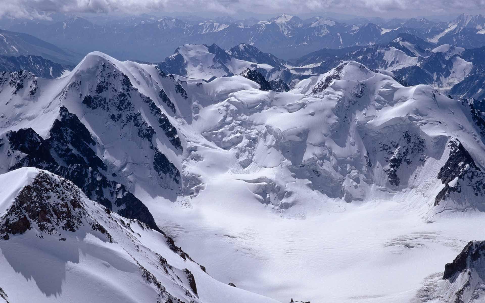 Mountains of snow photo