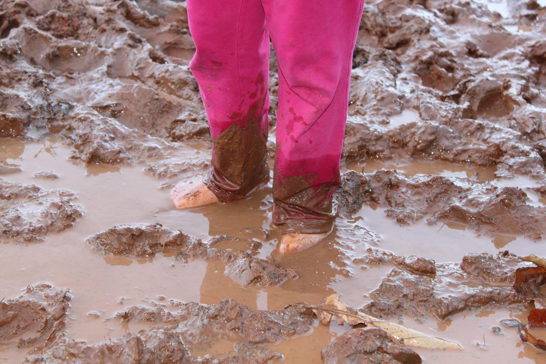 Muddy feet, Child, Dirty, Fun, Girl, HQ Photo
