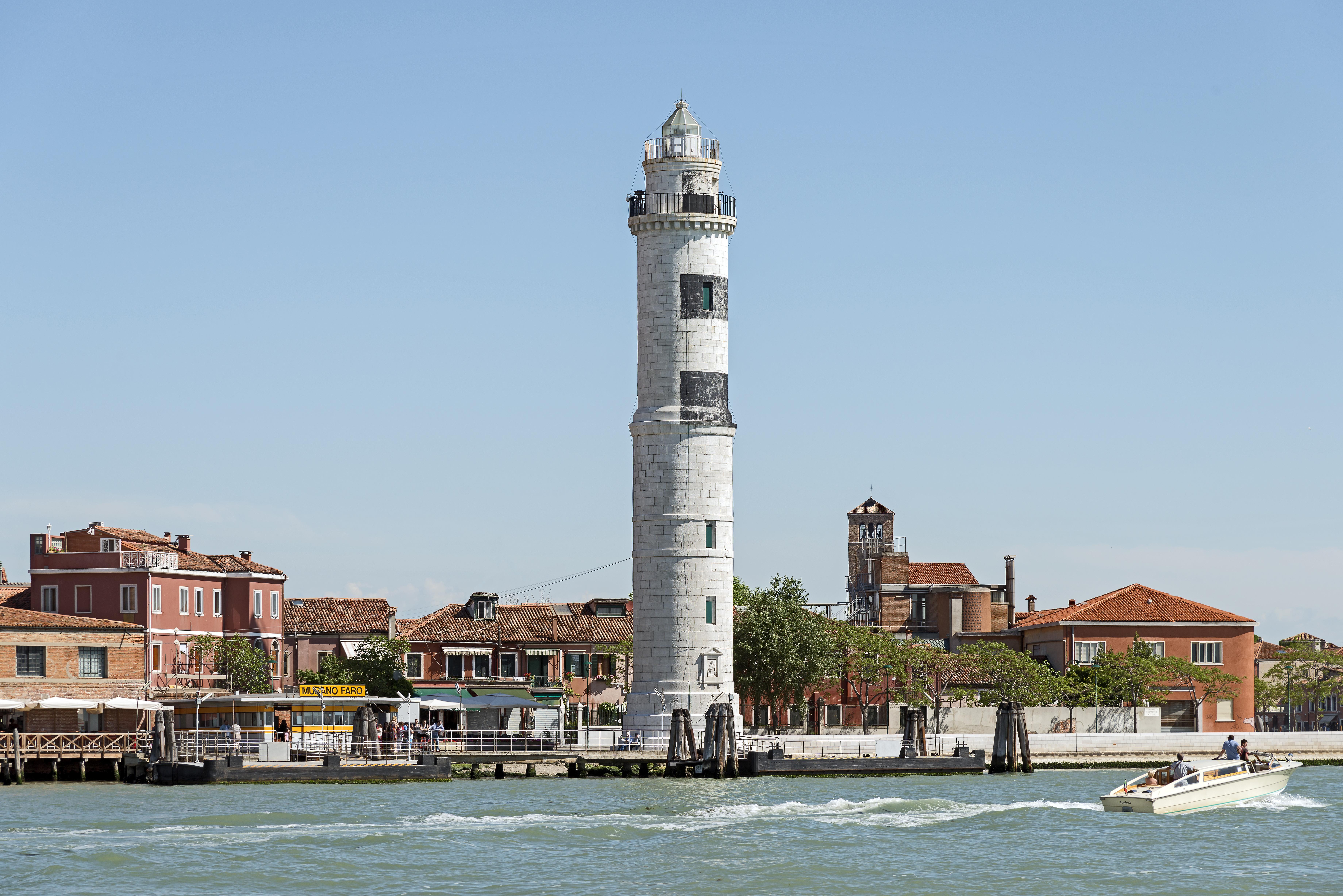 File:Faro (Murano).jpg - Wikimedia Commons