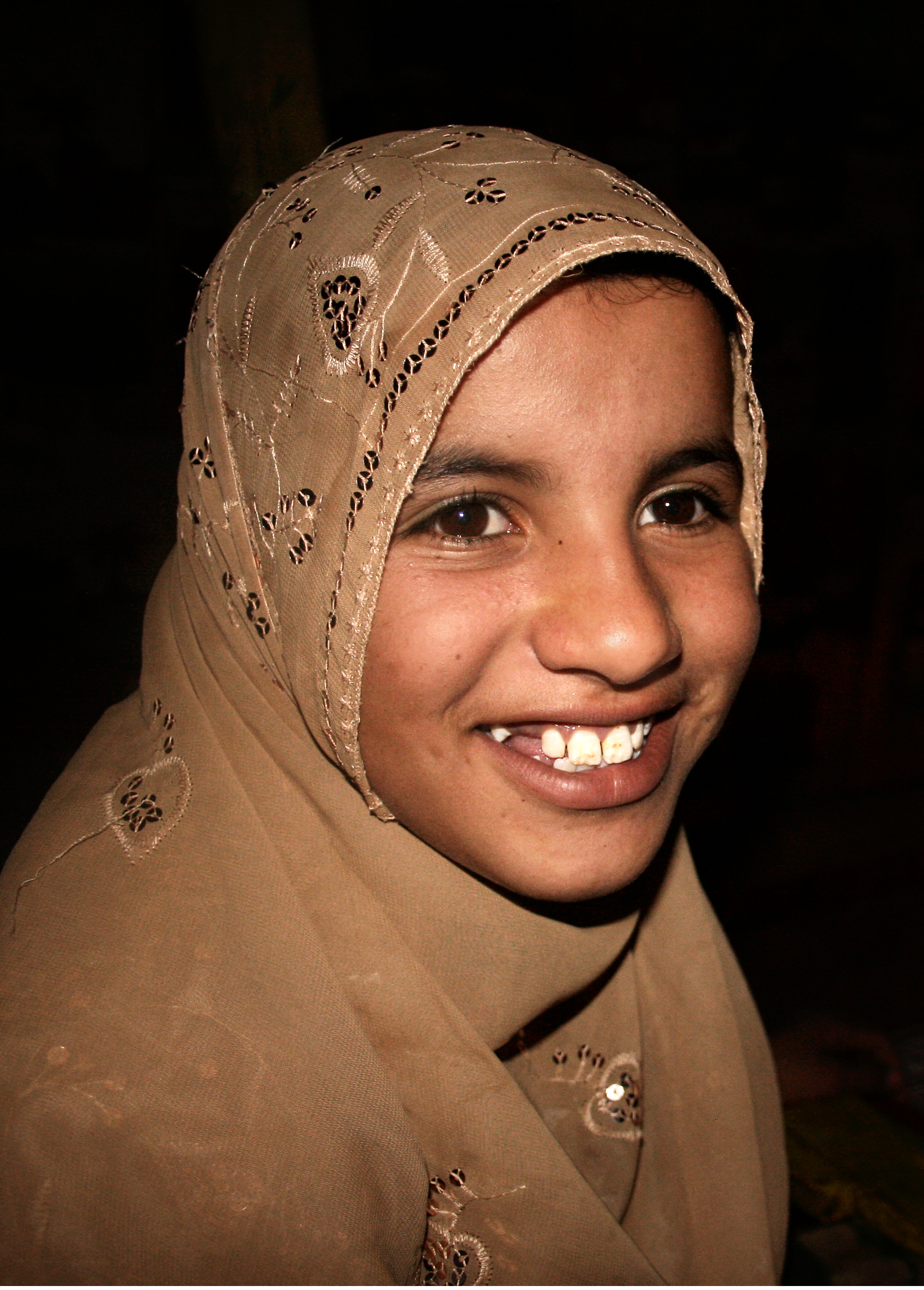 Muslim girl portait, Arab, Morocco, Sweet, Smiling, HQ Photo