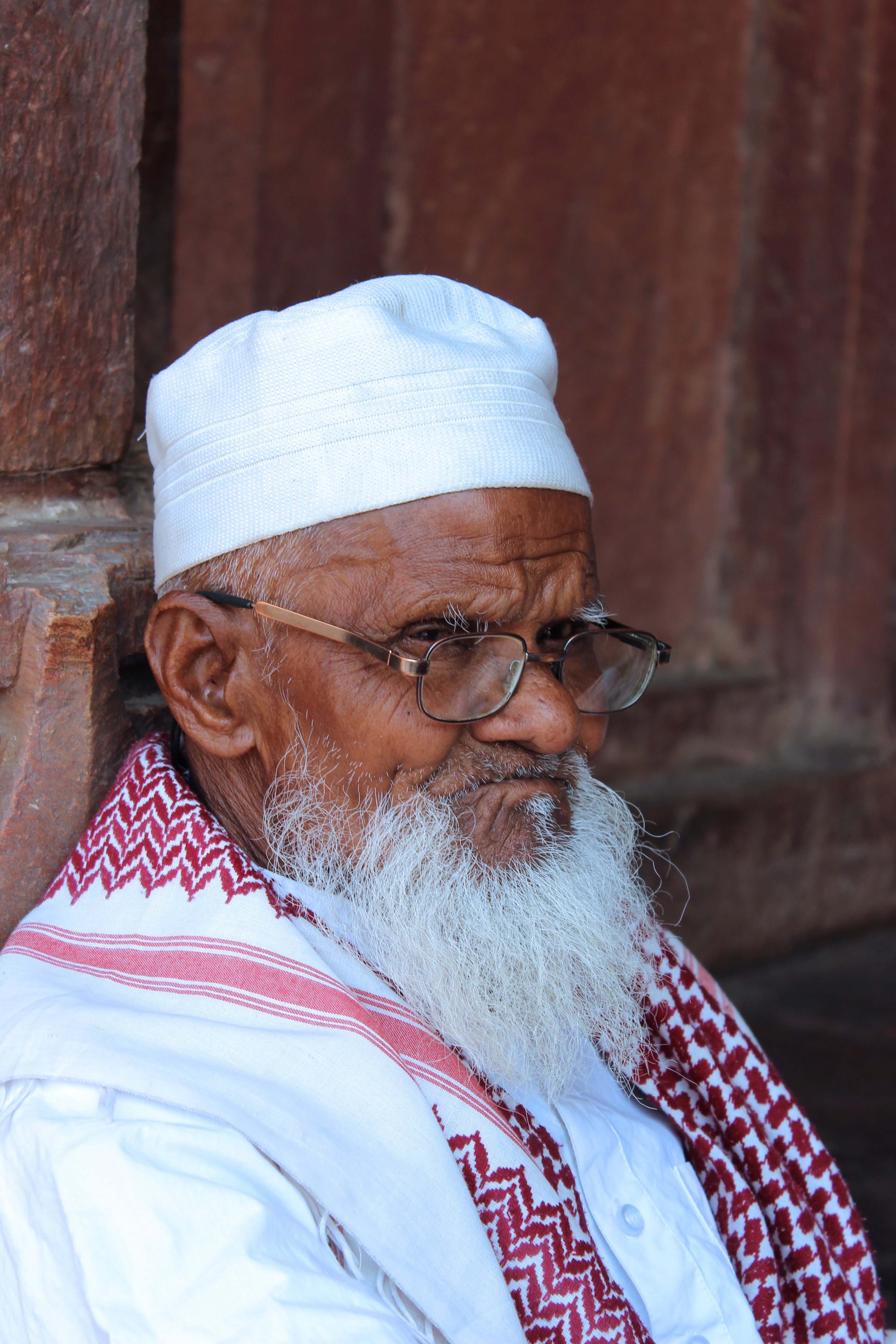File:Old Muslim man 2 in India.jpg - Wikimedia Commons