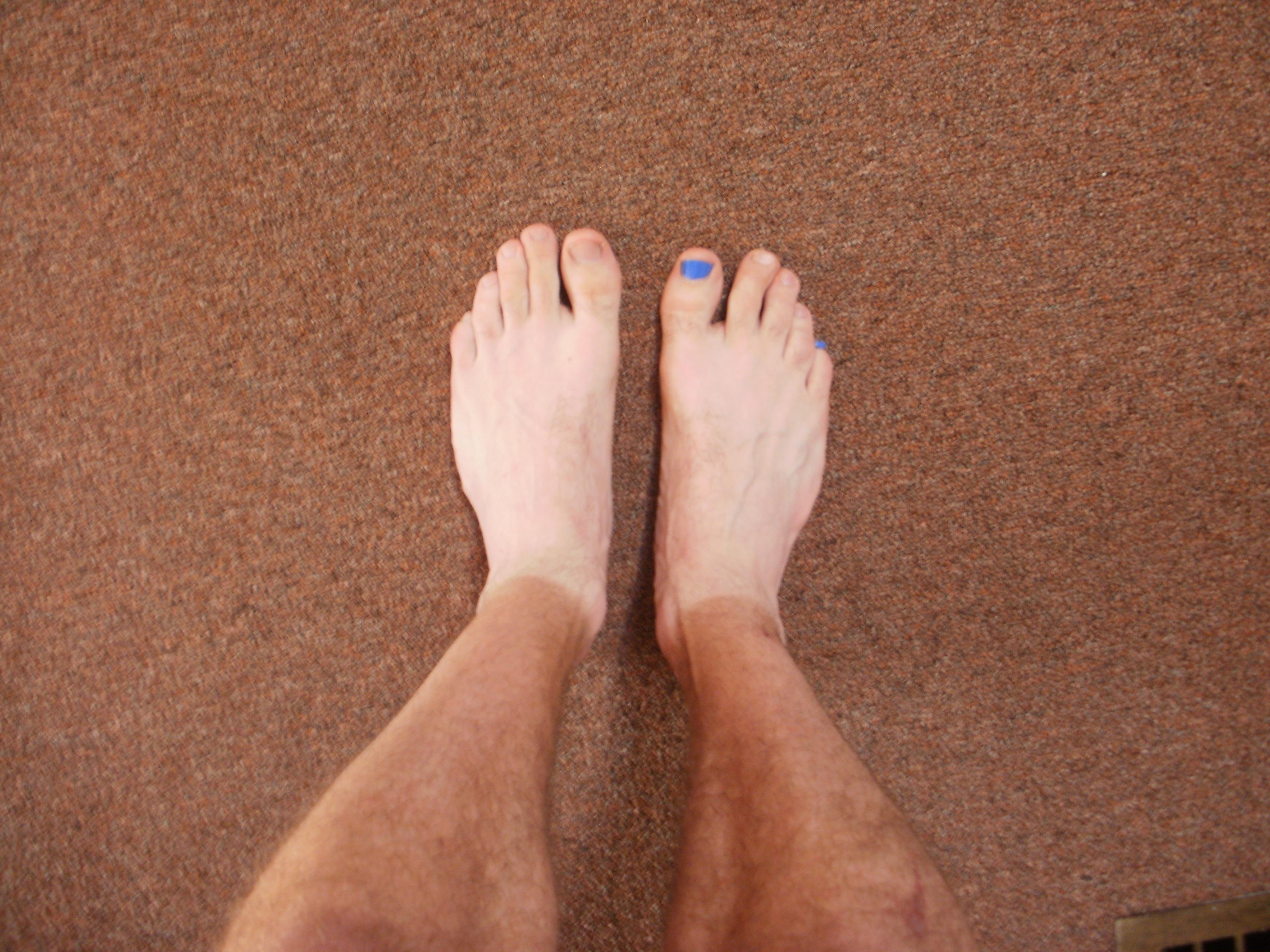 Should I Spraytan My Feet? | Golden Trails Blog