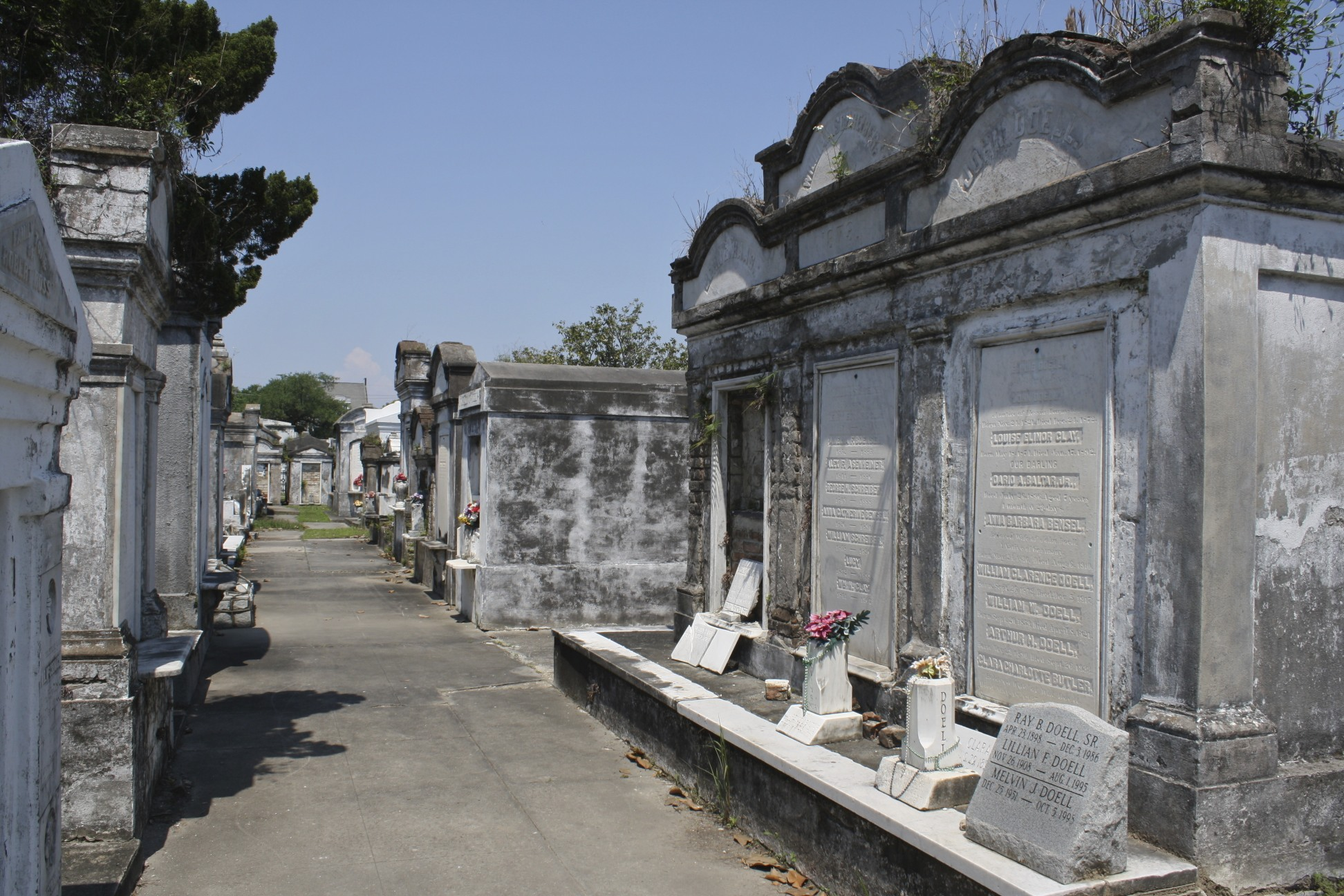 Lafayette Cemetery, New Orleans LA - Crescent City Living