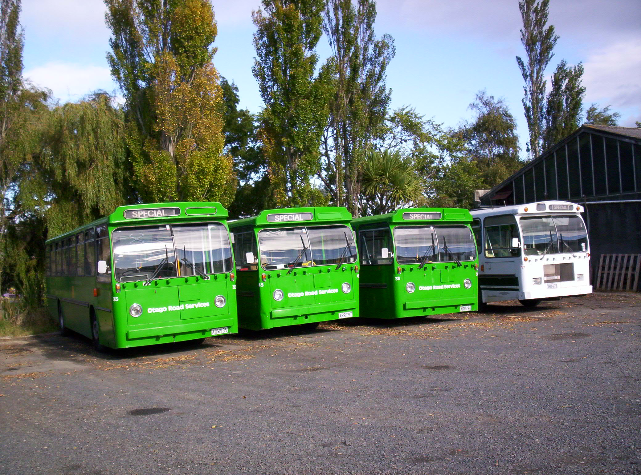 New Zealand is about green buses, Blue, Dunedin, Greenbuses, Greenisland, HQ Photo
