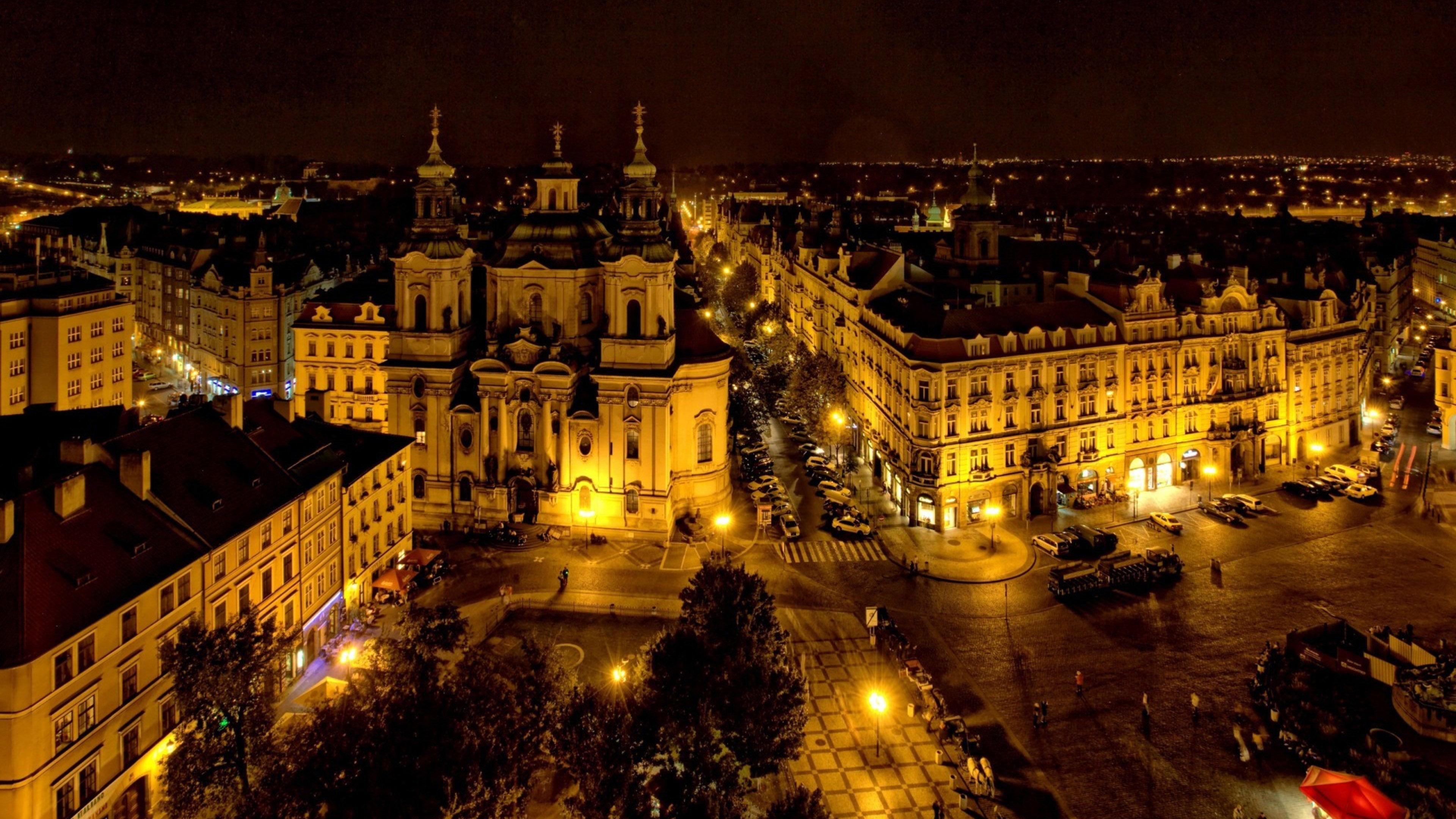 File:Prague - night.jpg - Wikimedia Commons