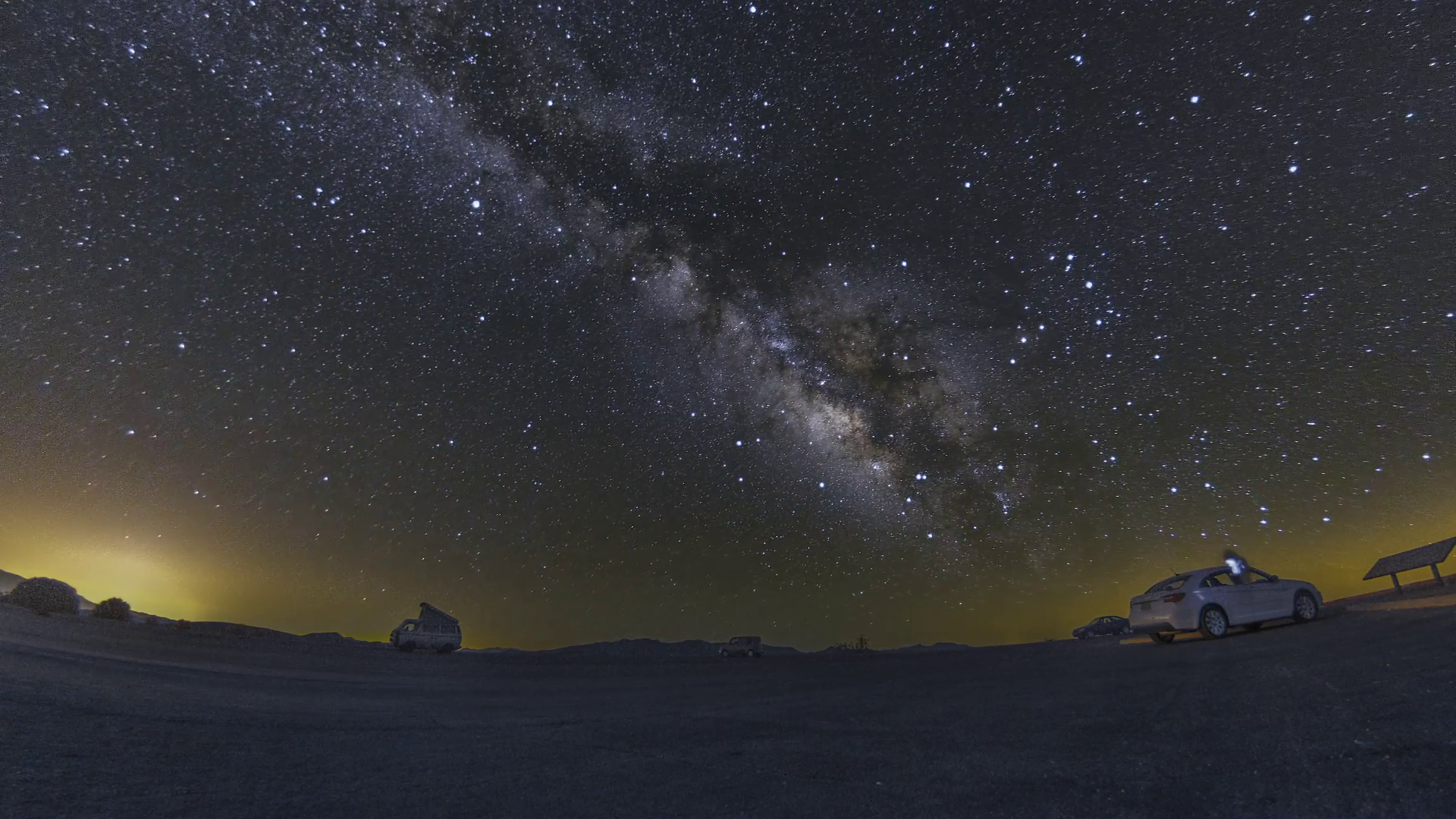 Amazing view of night sky full of stars and milky way in Pinnacles ...