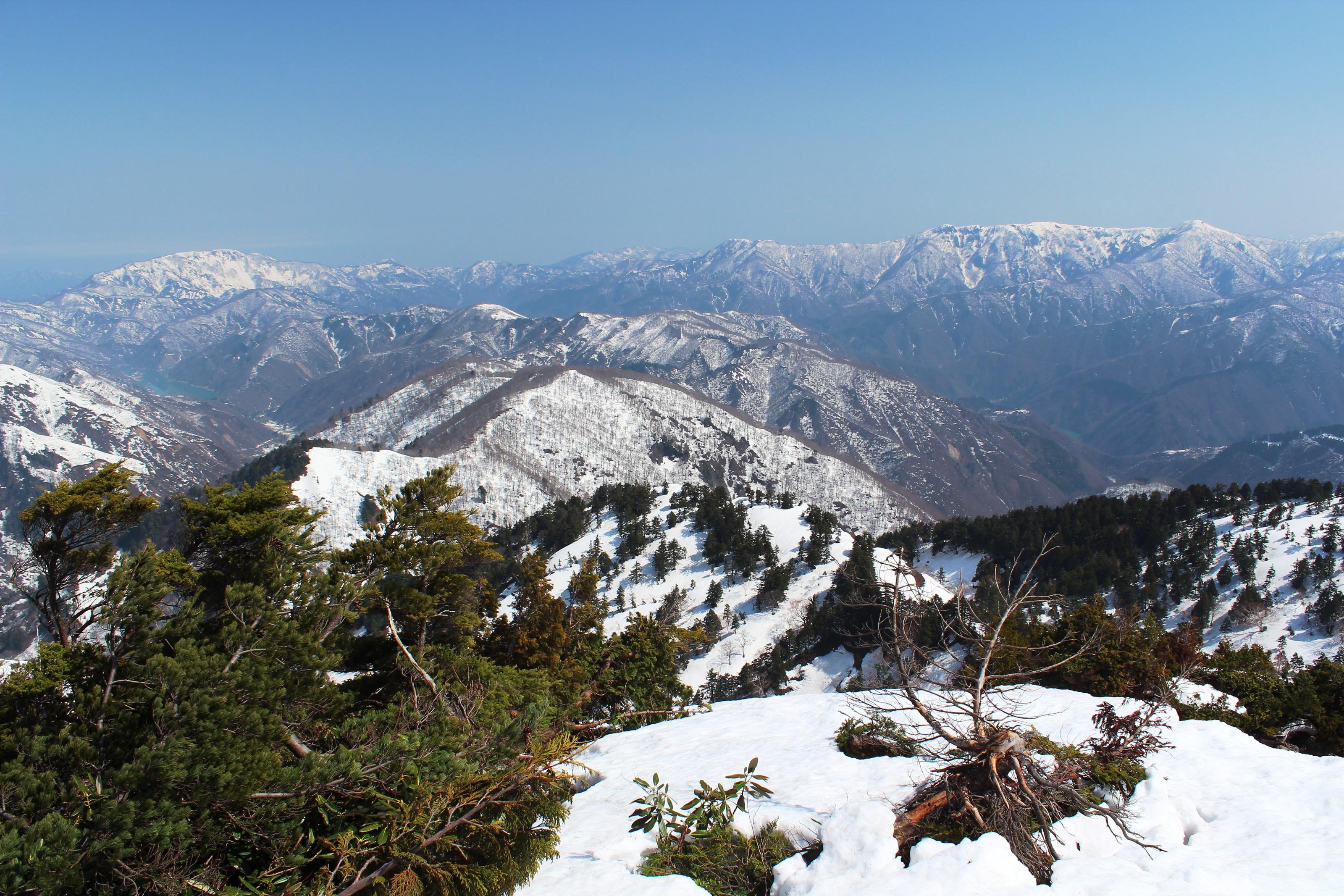 File:Mount Saru and Mount Ningyo from Mount Sanpoiwa.jpg - Wikimedia ...
