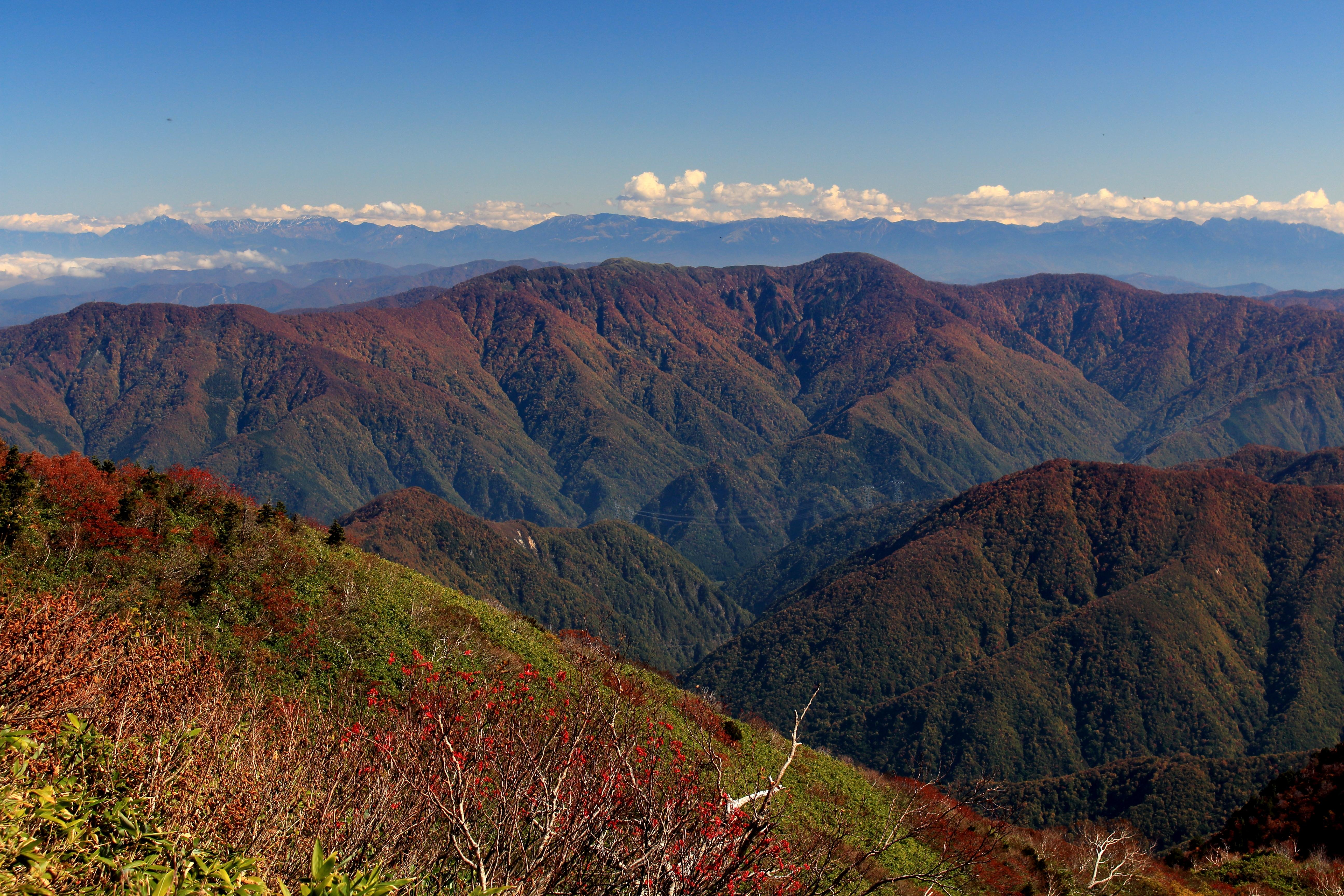 File:Mount Ningyo from Mount Ogasa (2015-10-17).jpg - Wikimedia Commons