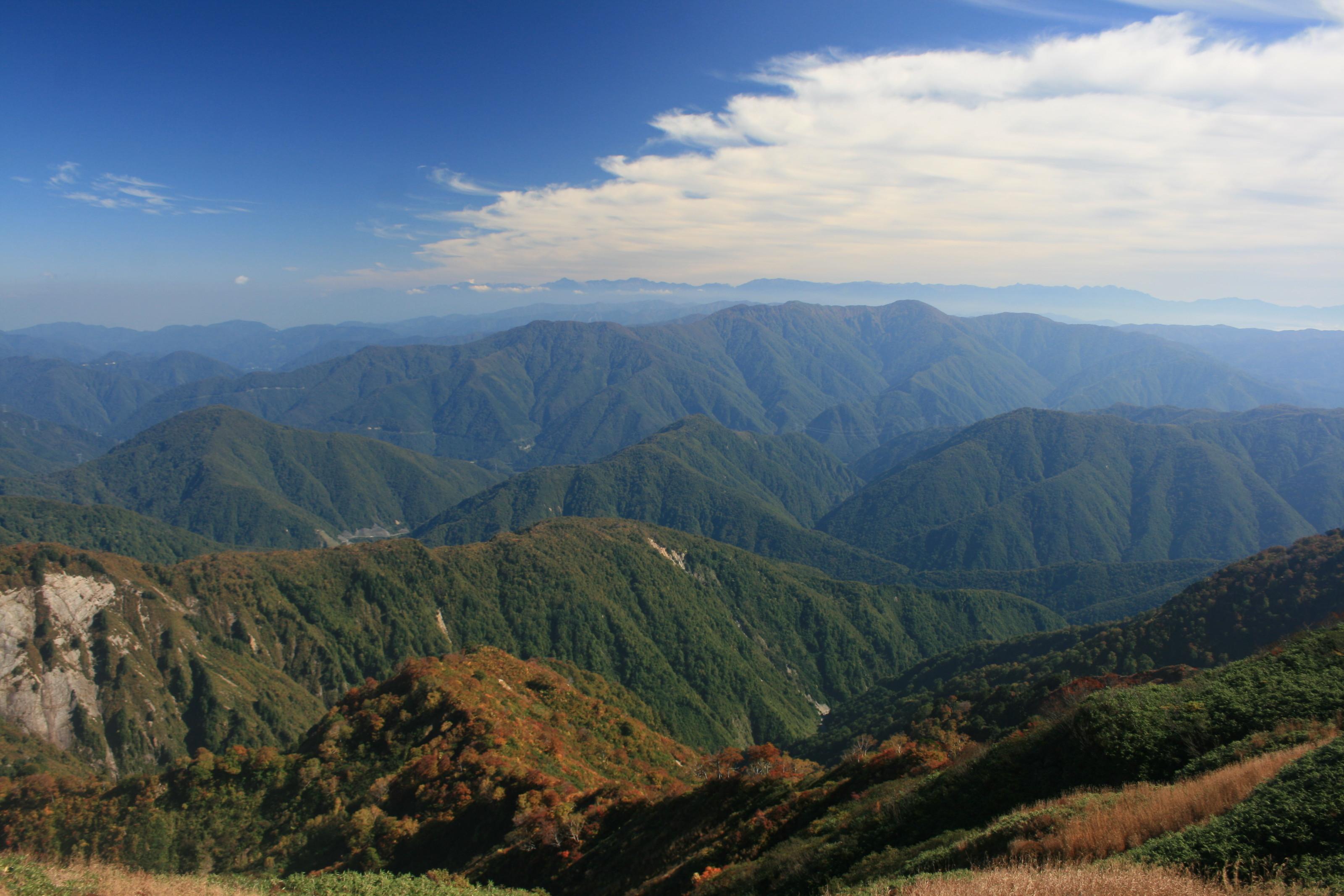 File:Mount Ningyo from Mount Ogasa.jpg - Wikimedia Commons