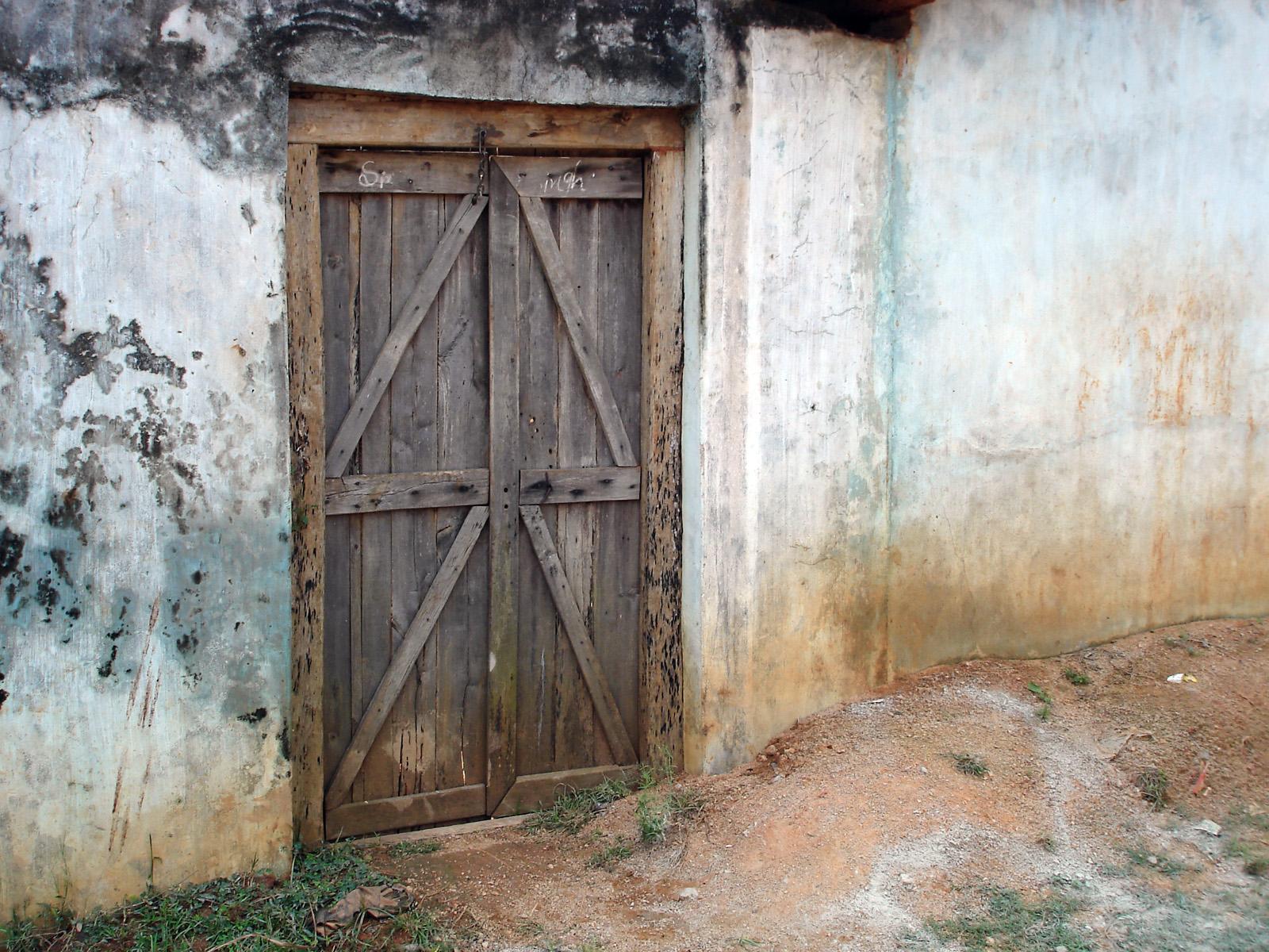 Nostalgic door, Broken, Bspo06, Building, Dirty, HQ Photo