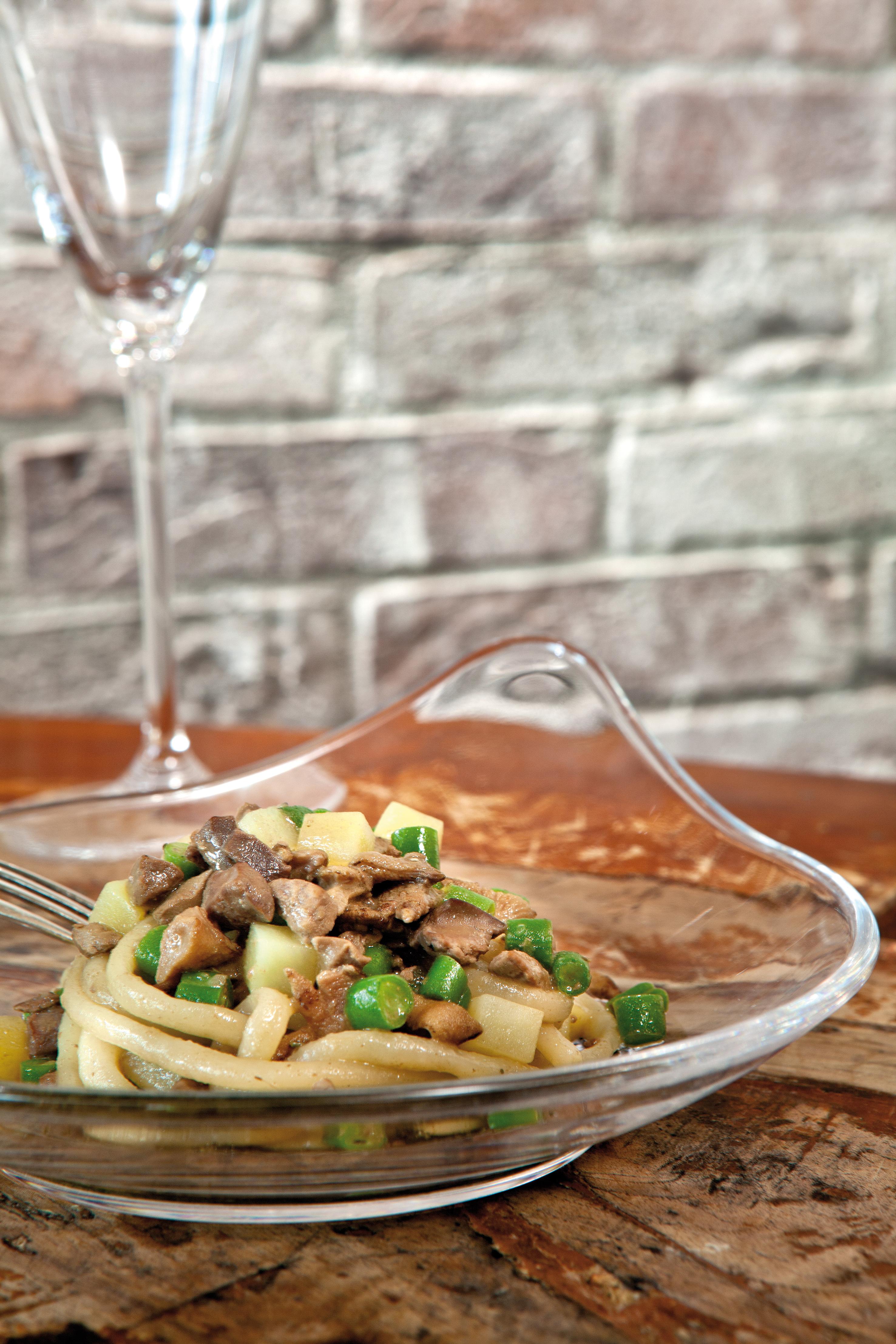 Nouvelle cuisine. Delicious plate ready, preparation, prepare, portion, plate, HQ Photo