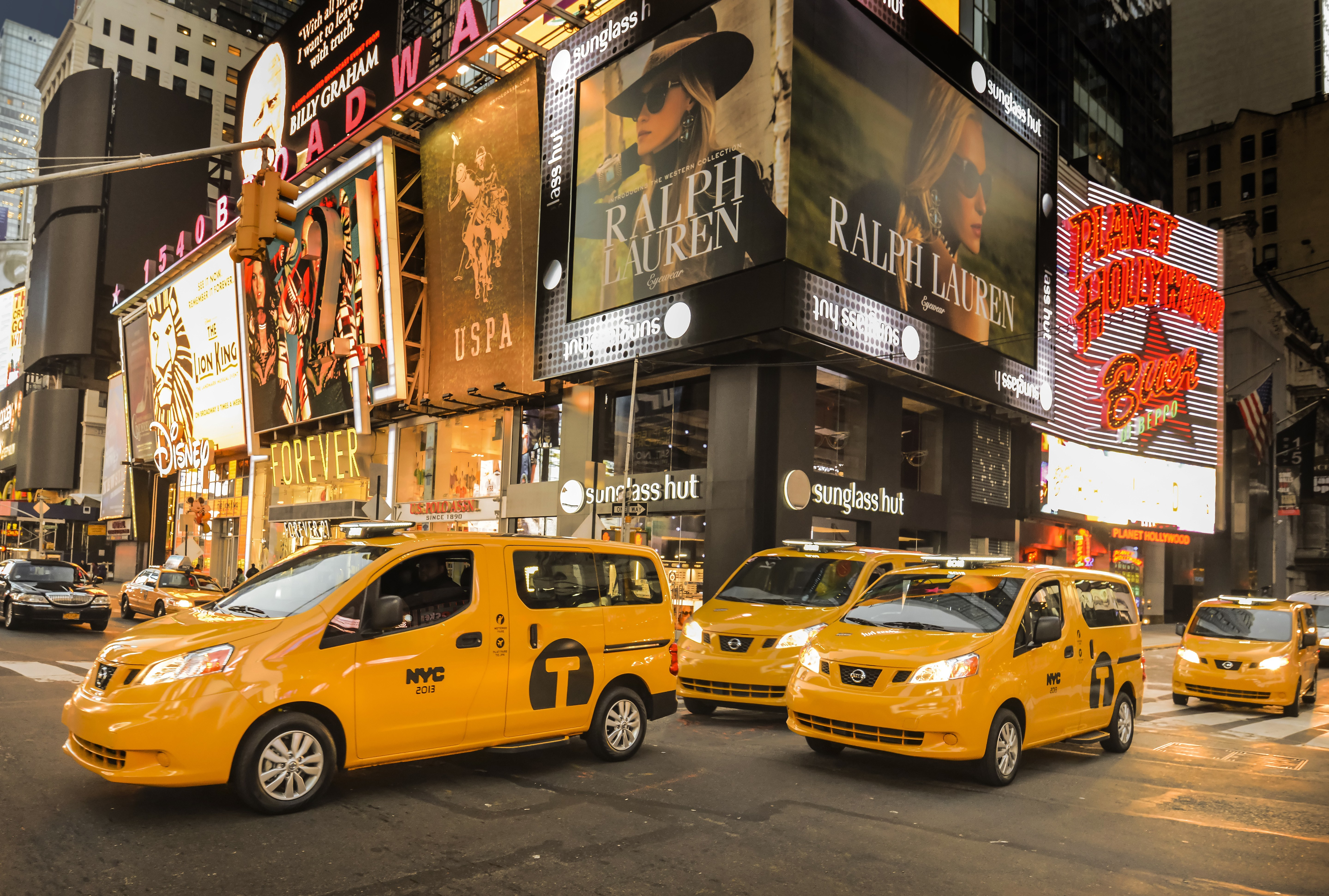 The Nissan Van Taxi That Will Rule NYC's Streets Is Actually Great ...