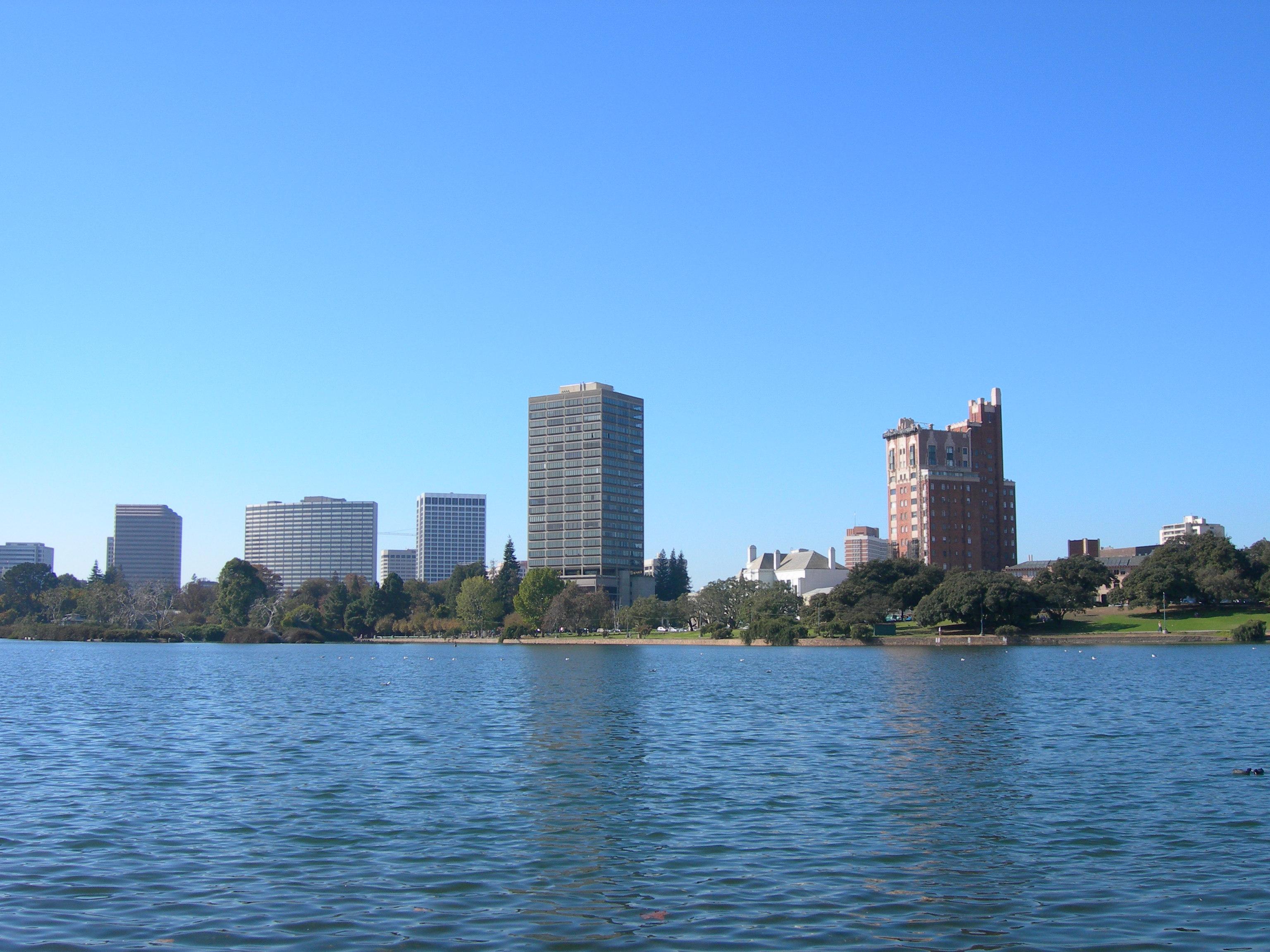 Oakland skyline photo