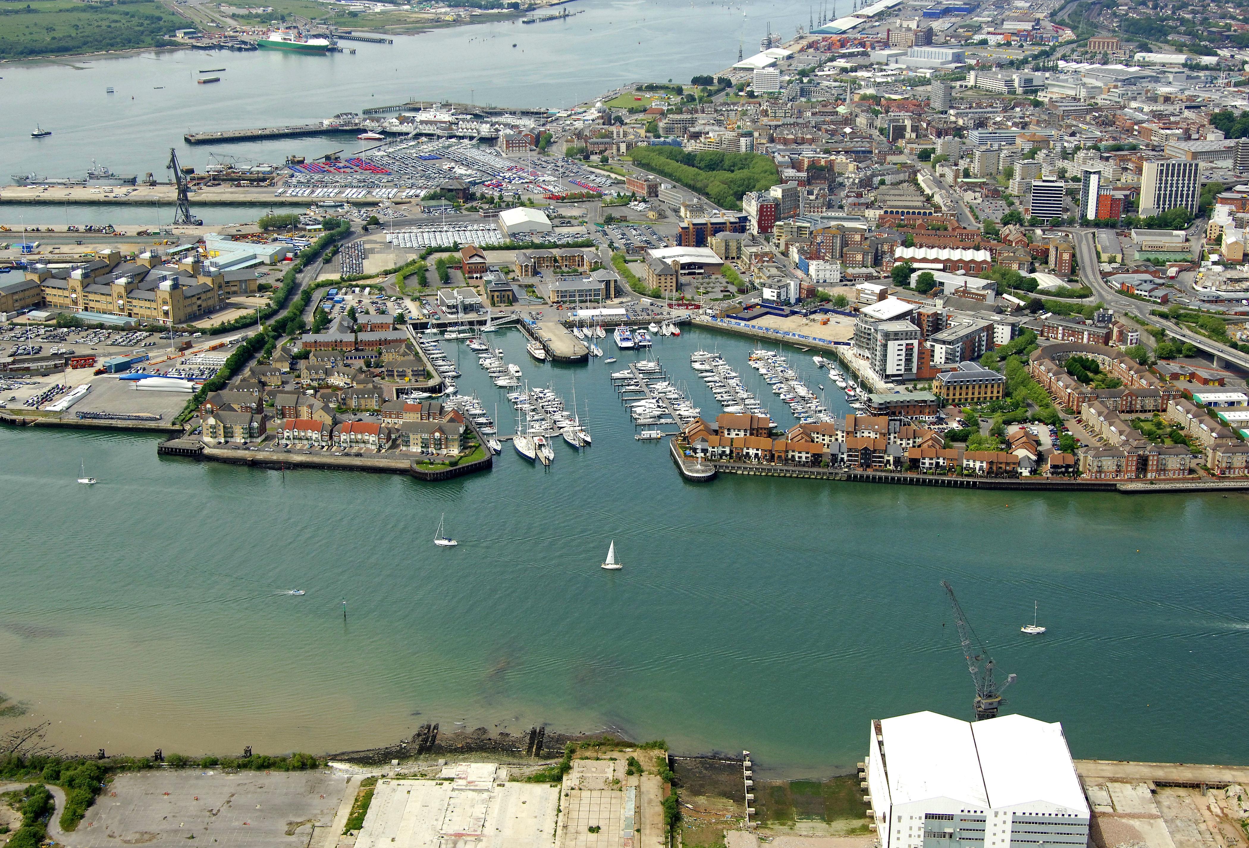 Ocean Village Marina in Southampton, Hampshire, GB, United Kingdom ...