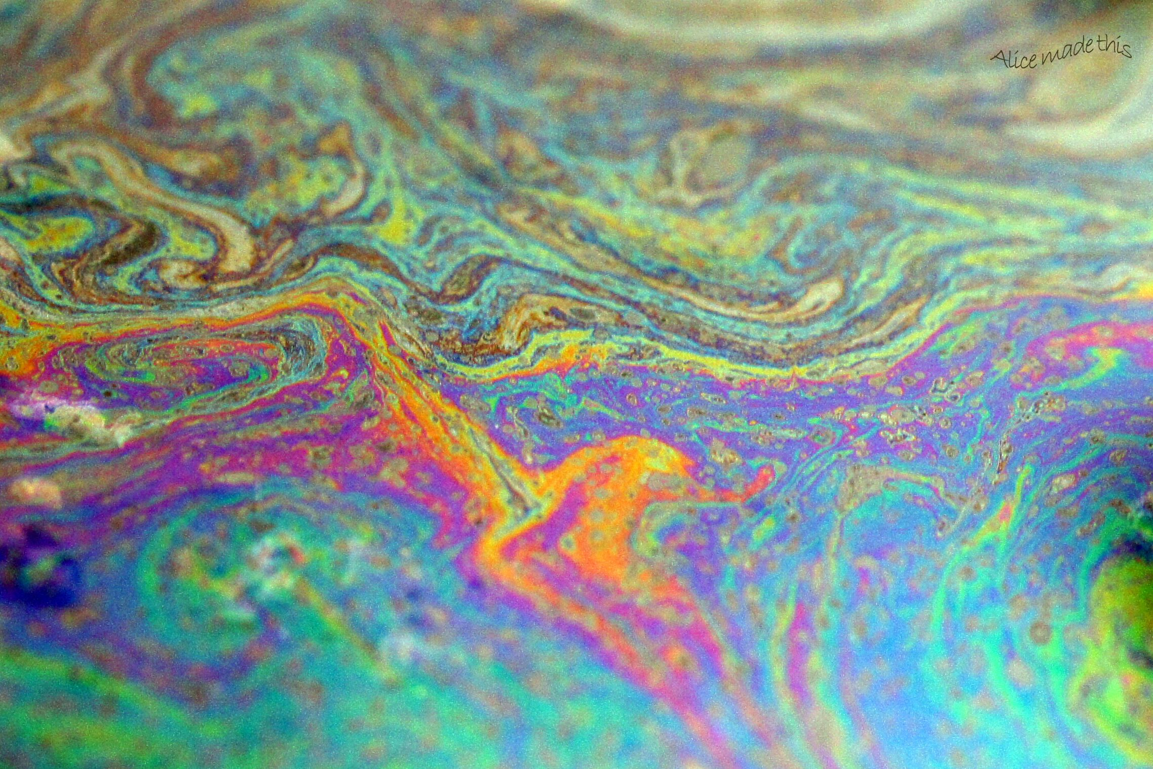 Oil in water photo