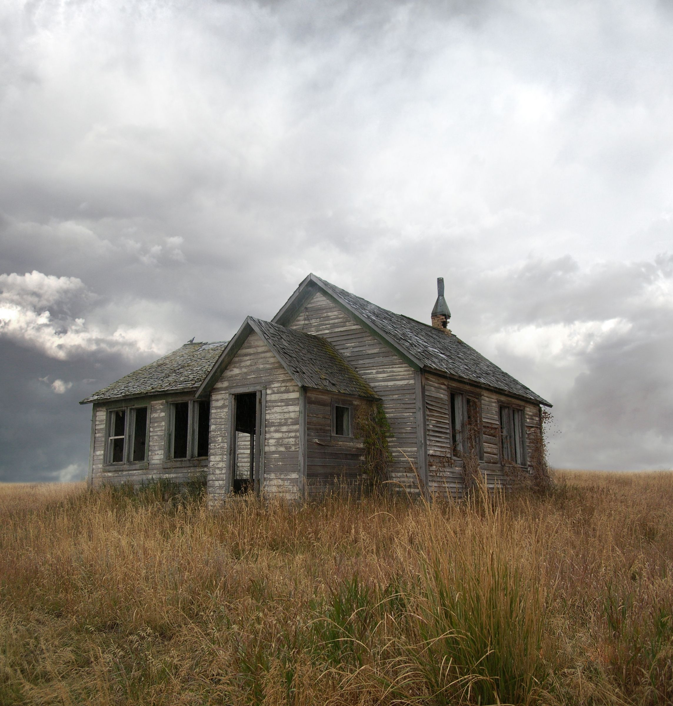 Abandoned House Pictures - Strange Pics - Freaking News.. . .one ...