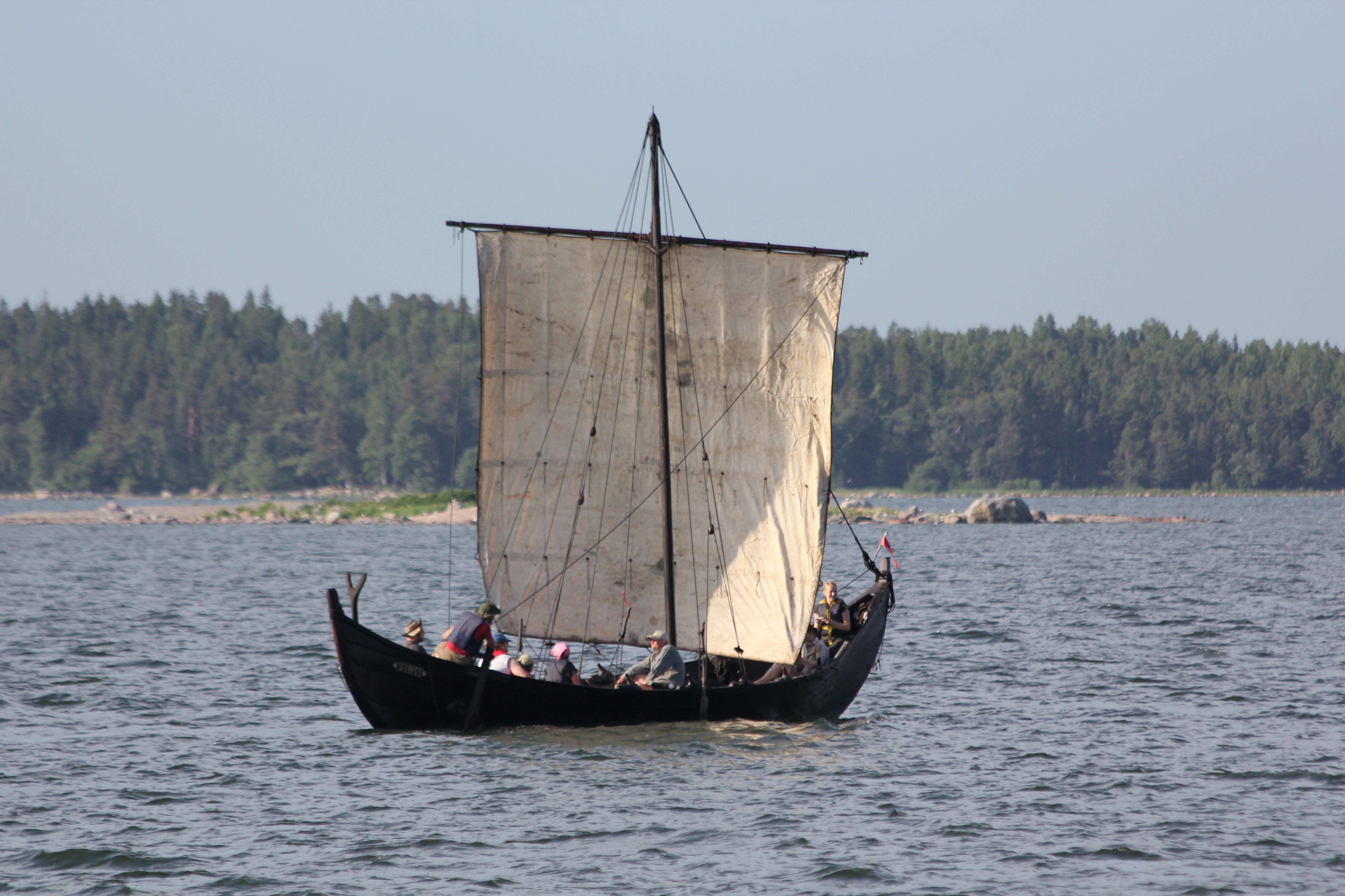 File:Old boat Helsinki 2.JPG - Wikimedia Commons