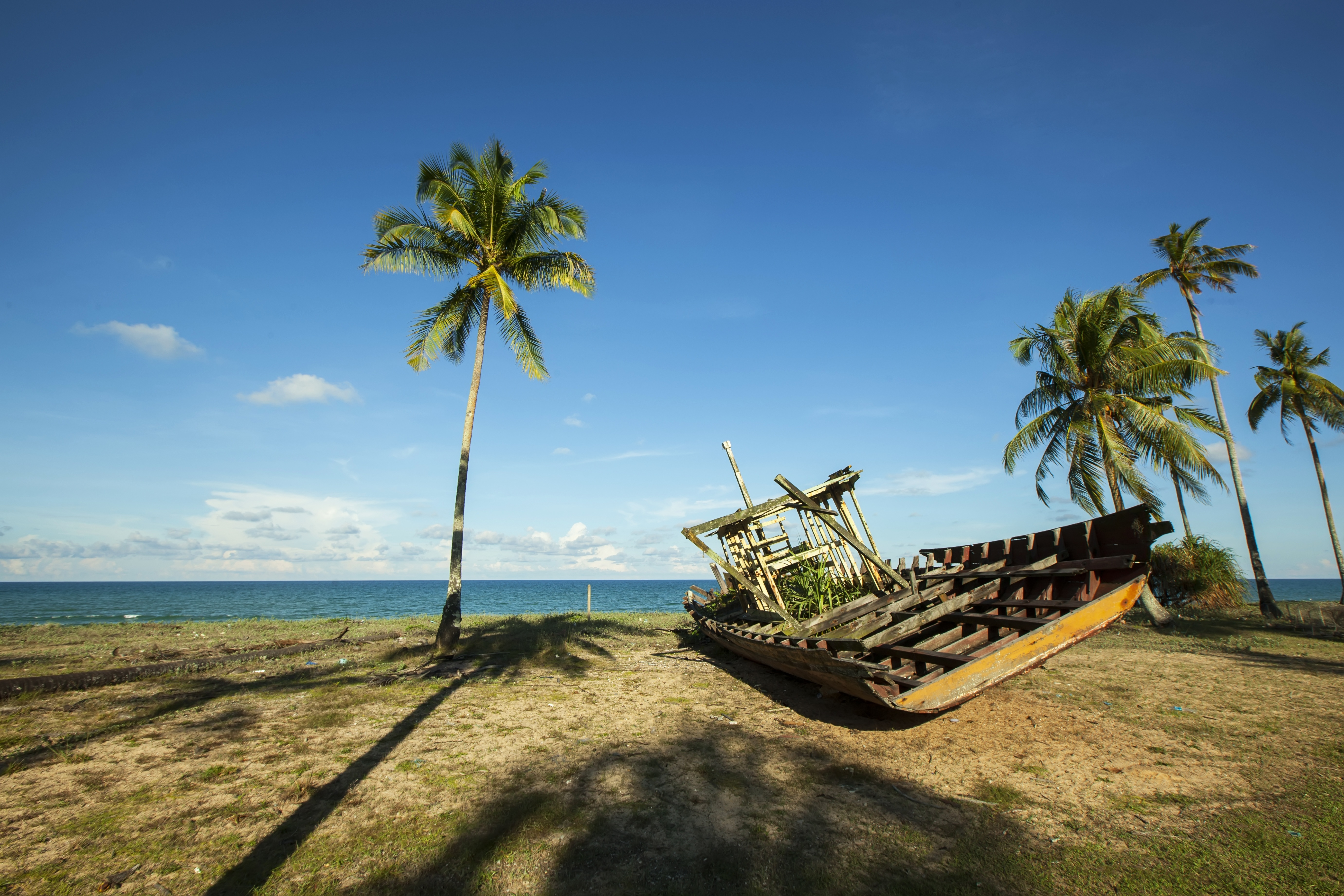 Old Boat on the Beach, Beach, Boat, Broken, Old, HQ Photo