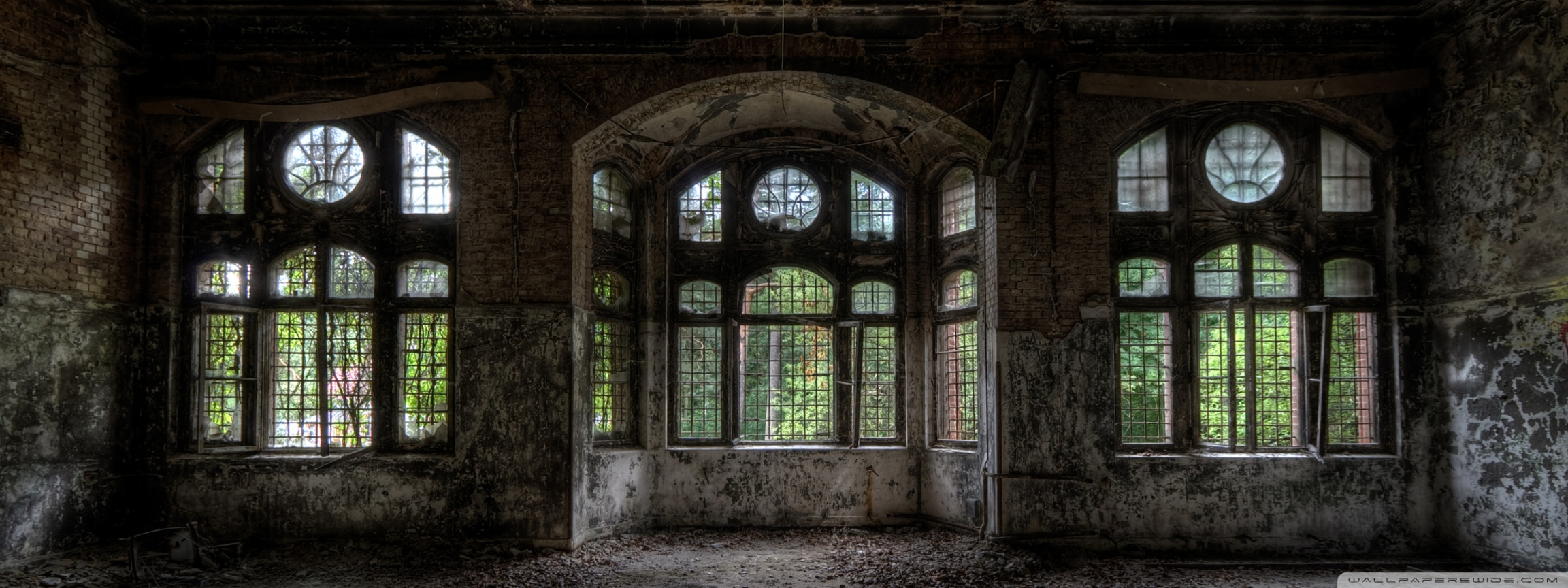 Empty Room In Old Building ❤ 4K HD Desktop Wallpaper for 4K Ultra ...