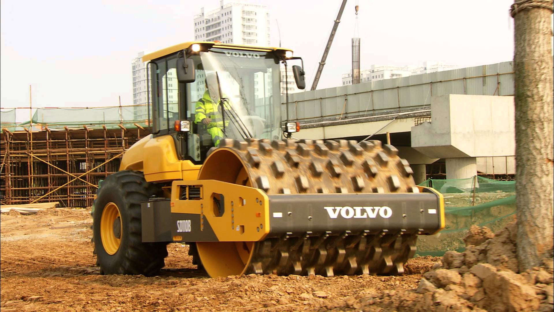 Volvo SD110B soil compactor - Operator environment - YouTube