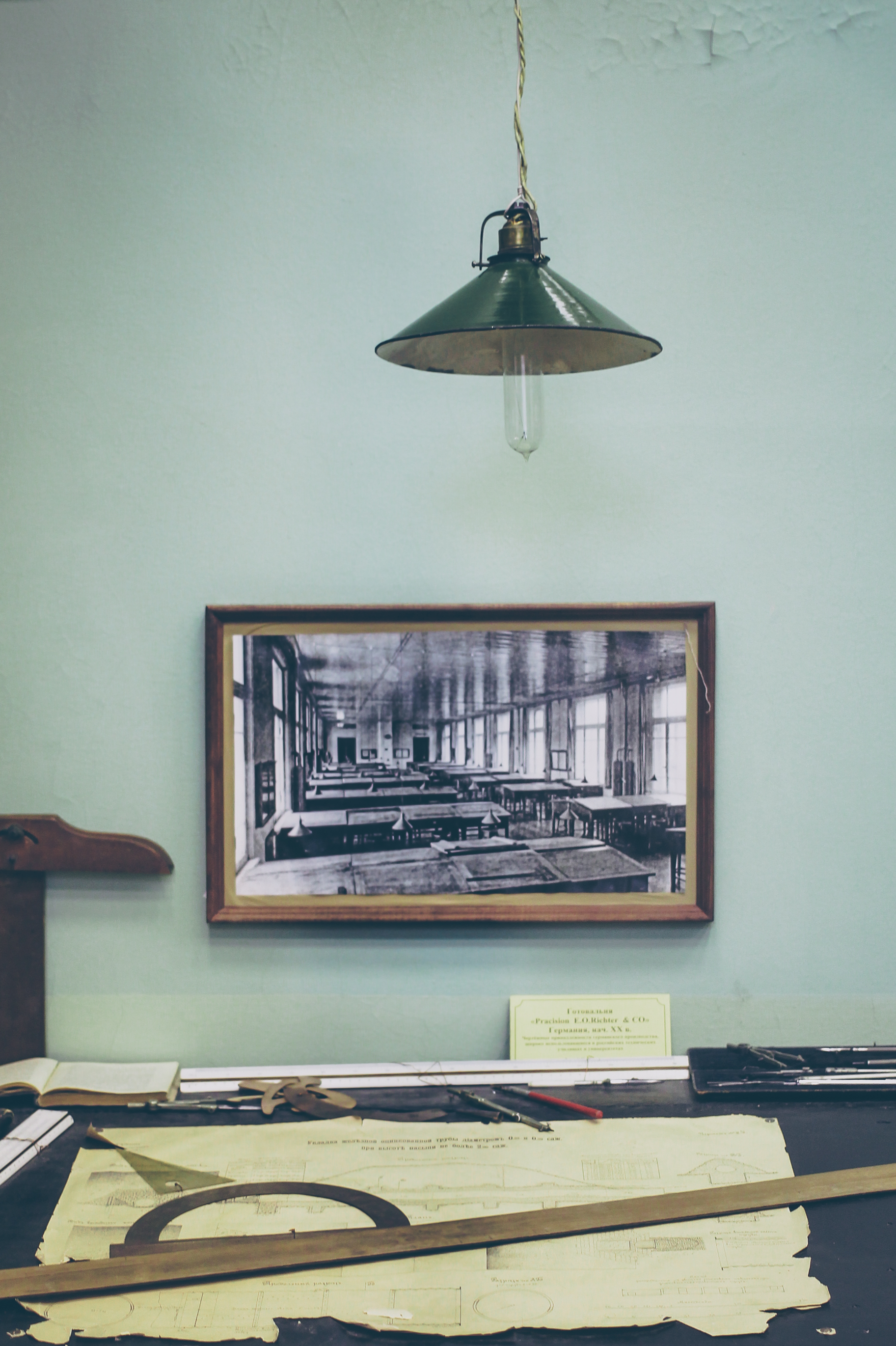Old Desk, Books, Building, Desk, Notes, HQ Photo