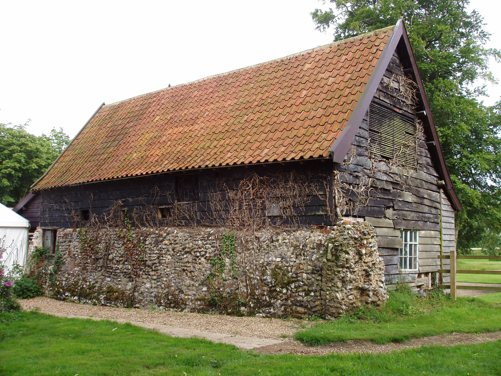 Farm building with a pantiled roof in the South Elmhams | Barn ...