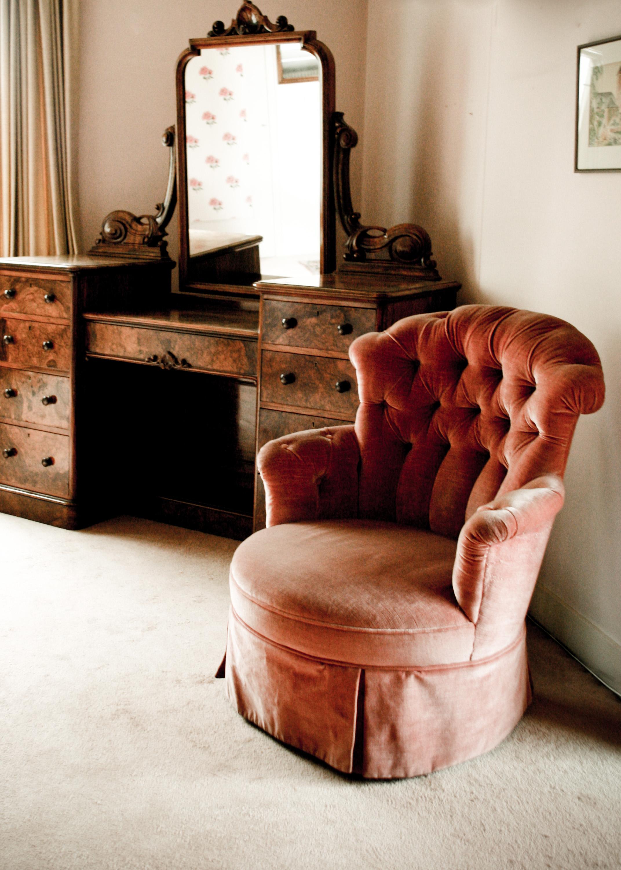 Old fashioned interior photo