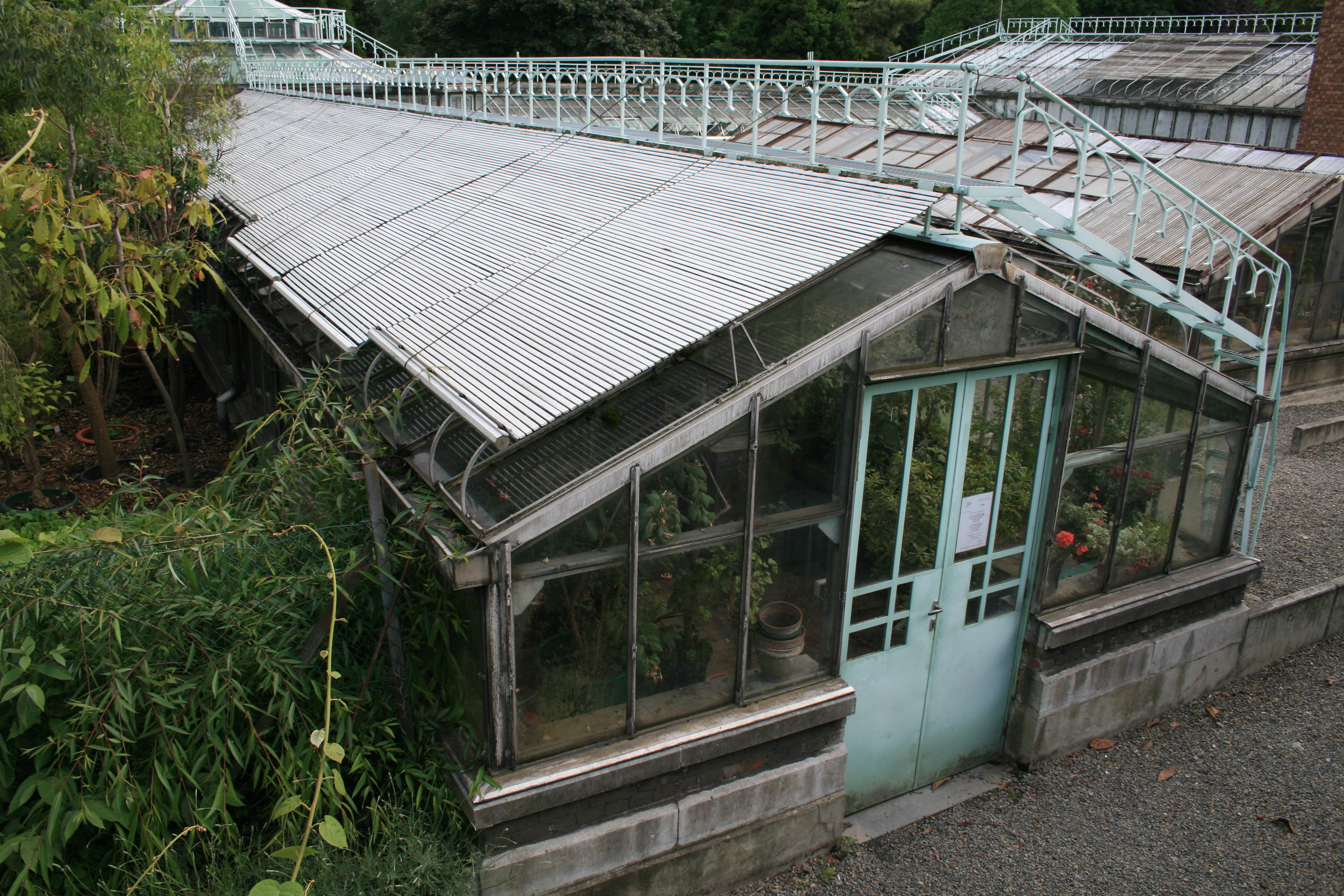 File:Old greenhouse Liege 2.jpg - Wikimedia Commons
