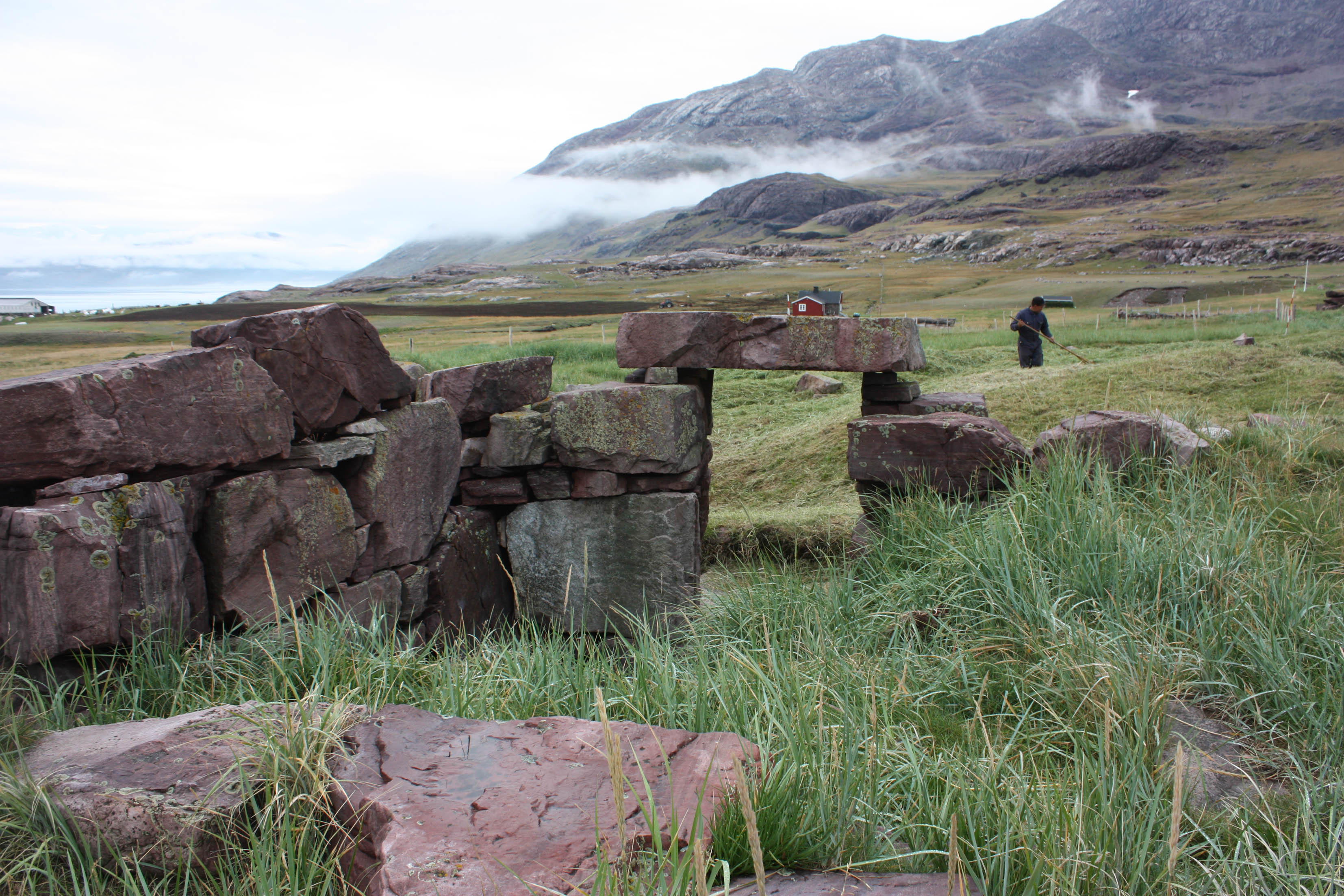 Vikings from Norway, Iceland and Denmark began to colonize Greenland ...