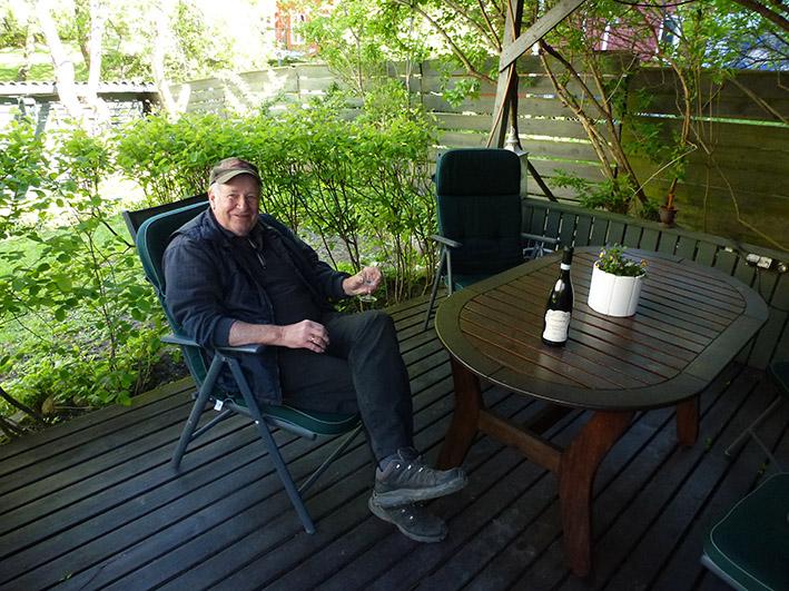 Old man in the garden, Old man in the garden