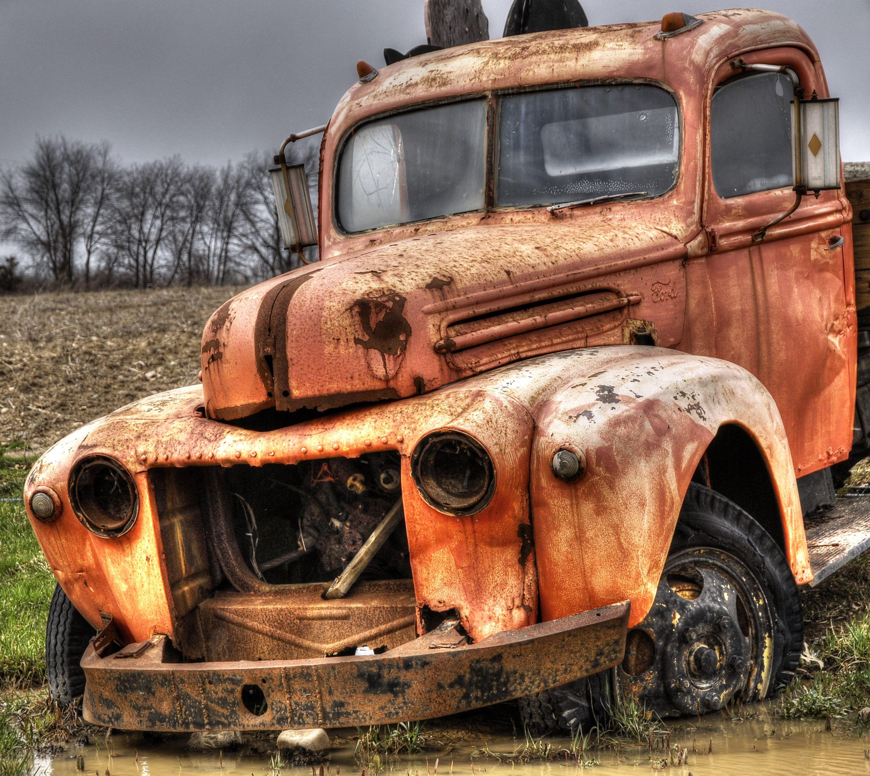 Rusting trucks photo