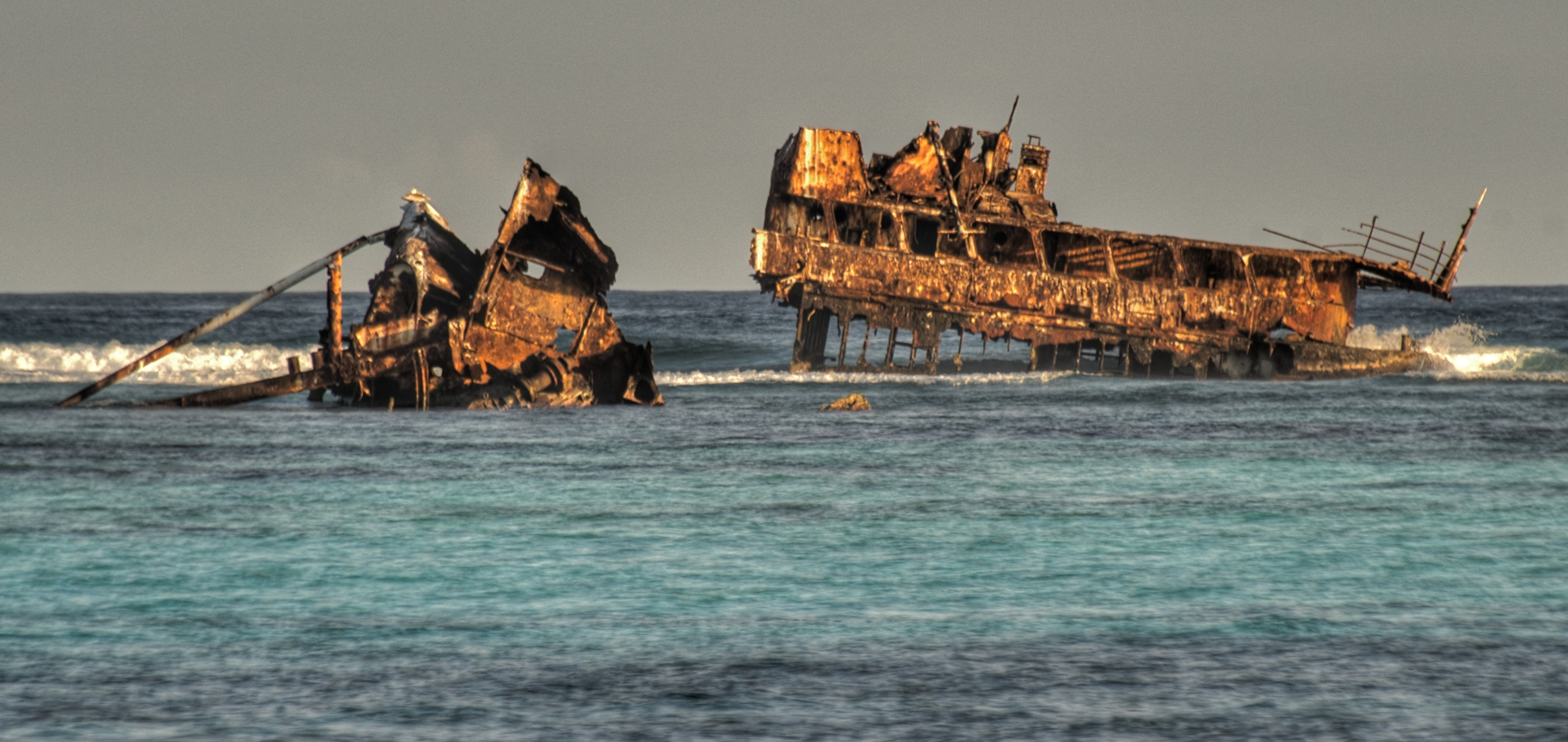 File:Old shipwreck Astron.jpg - Wikimedia Commons