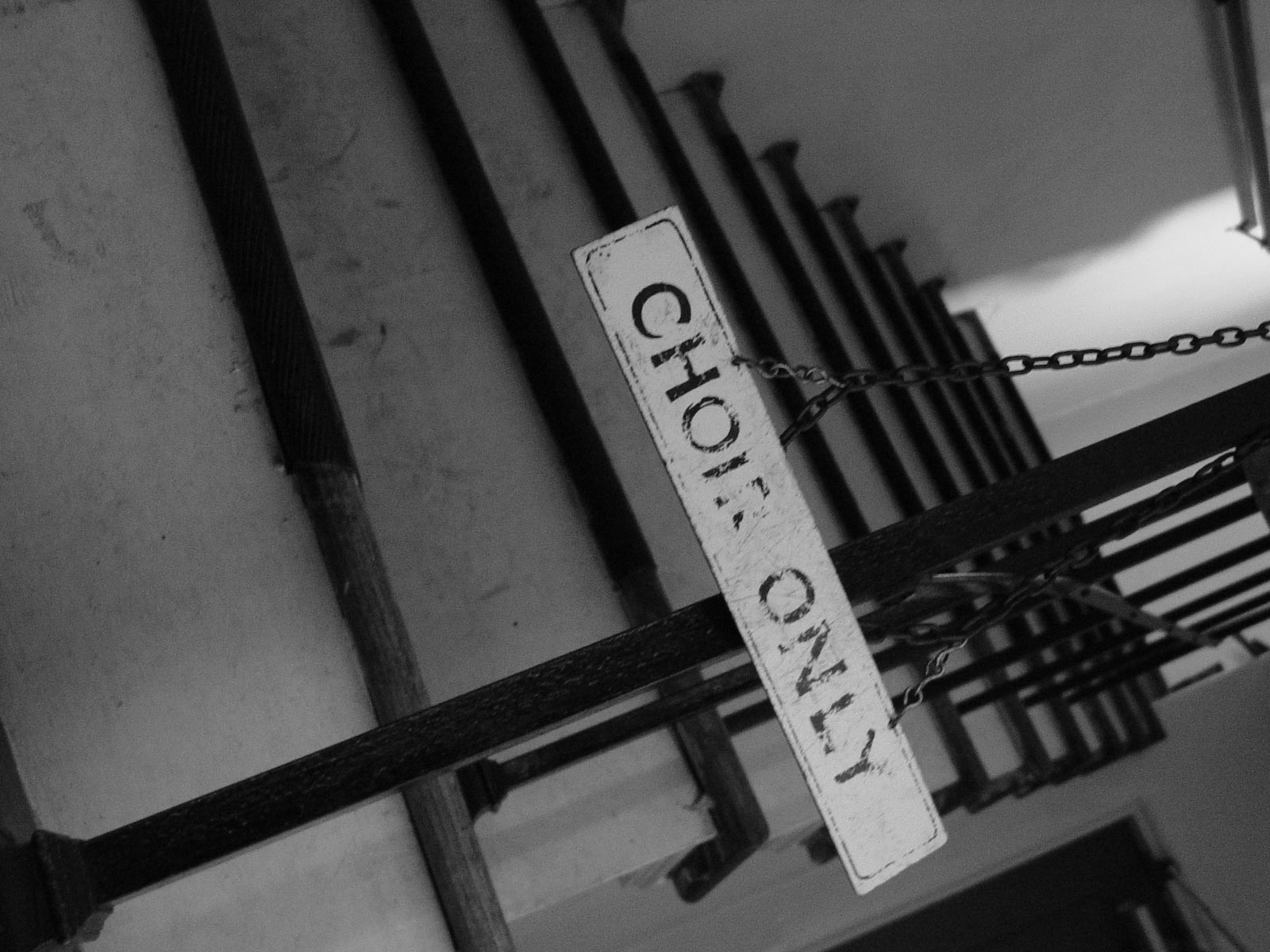 Old sign, Blackandwhite, Chains, Old, Sign, HQ Photo