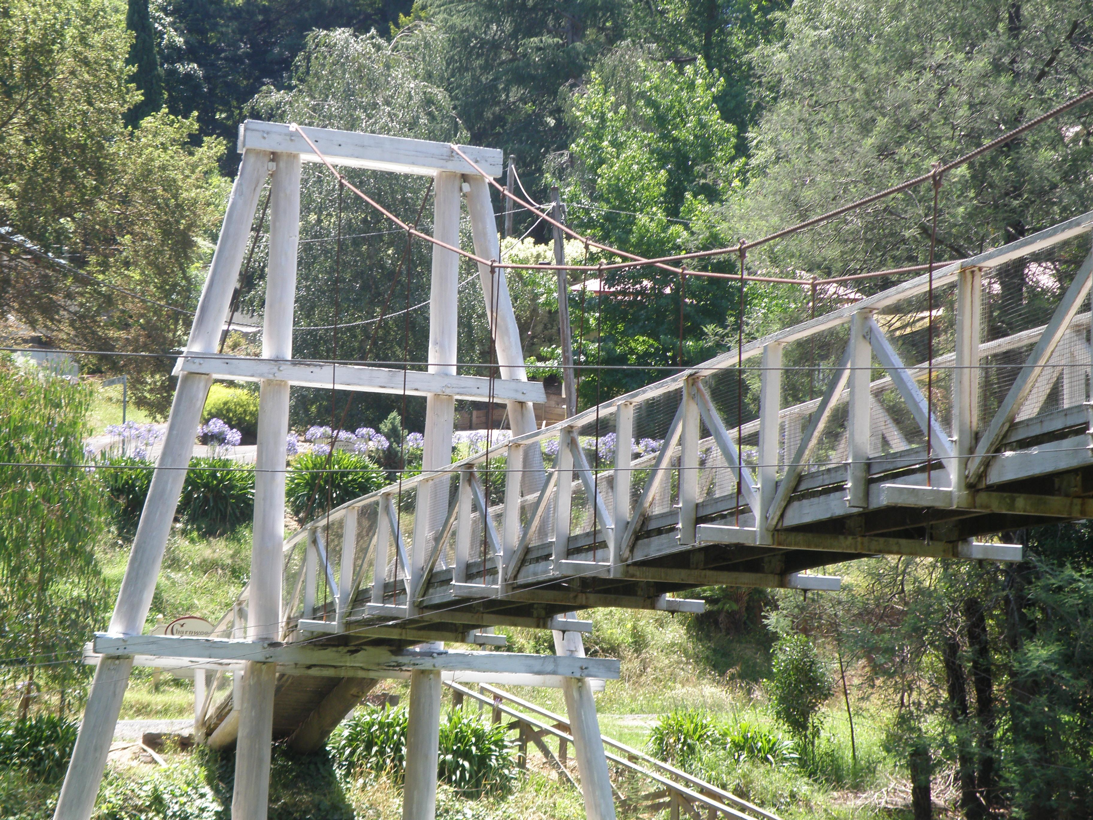 File:Swing Bridge Suspension Bridge 2009 Wooden 2.JPG - Wikimedia ...