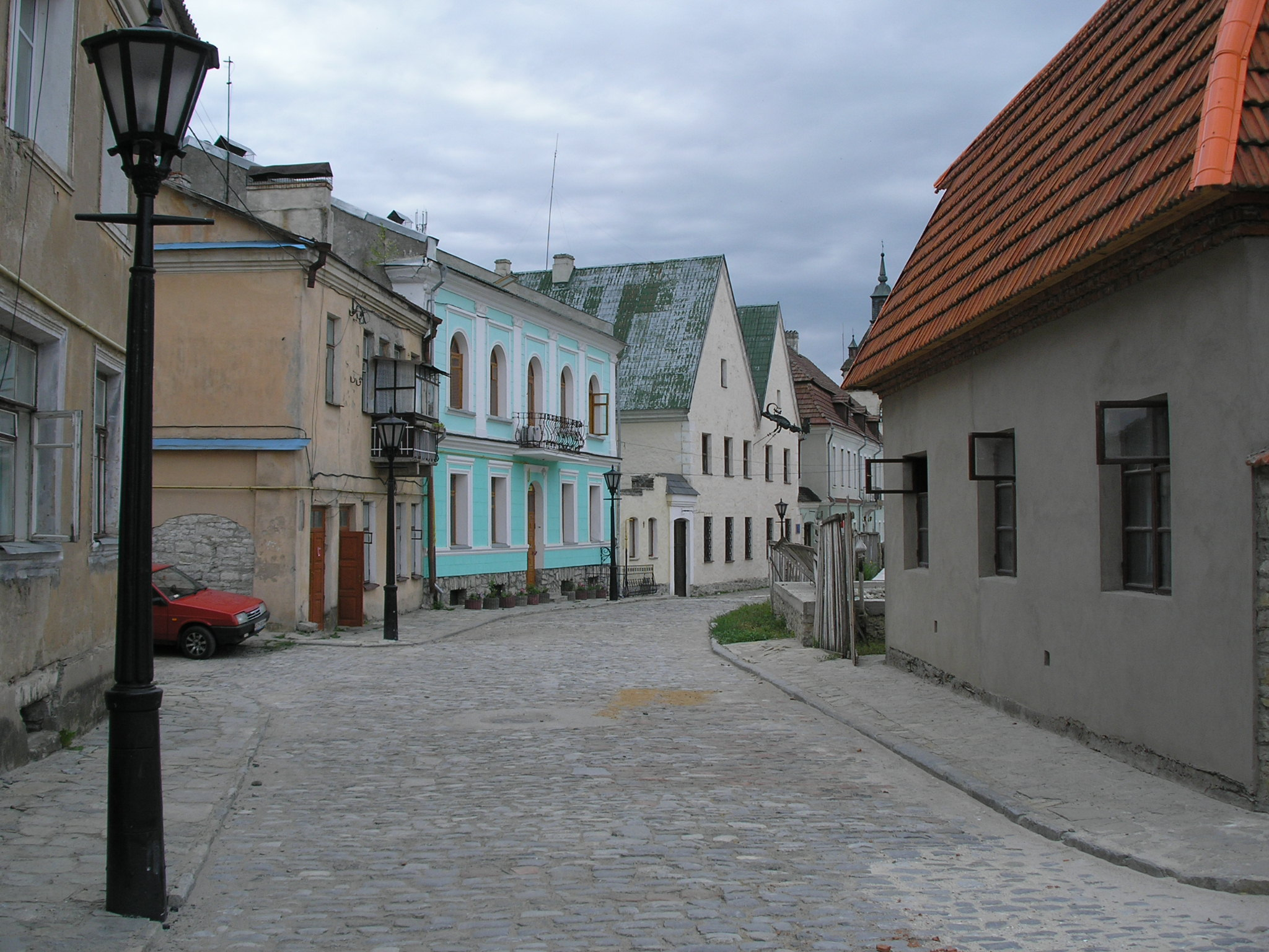 File:Kamianets-Podilskyi Old Town street.JPG - Wikimedia Commons