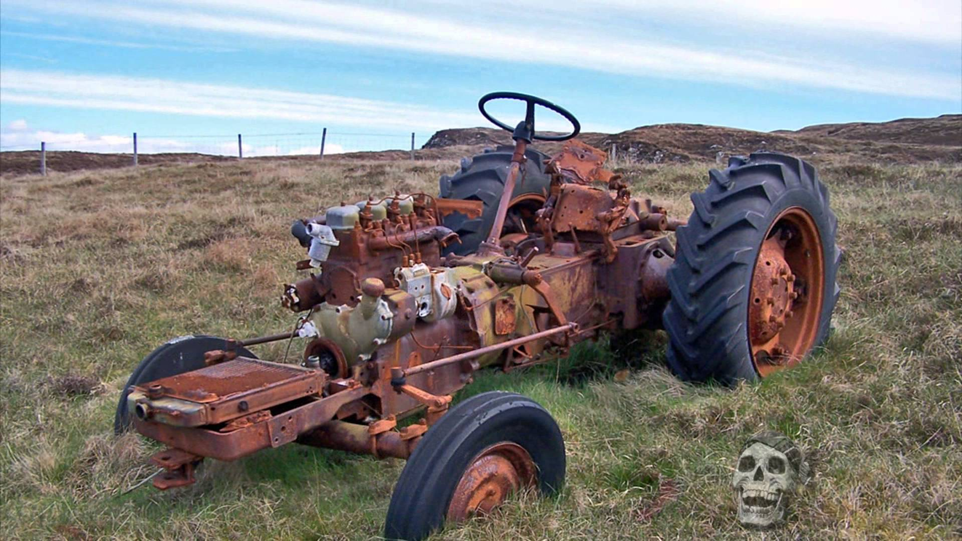 Old abandoned tractors 2016. Old rusty tractor abandoned 2016 ...