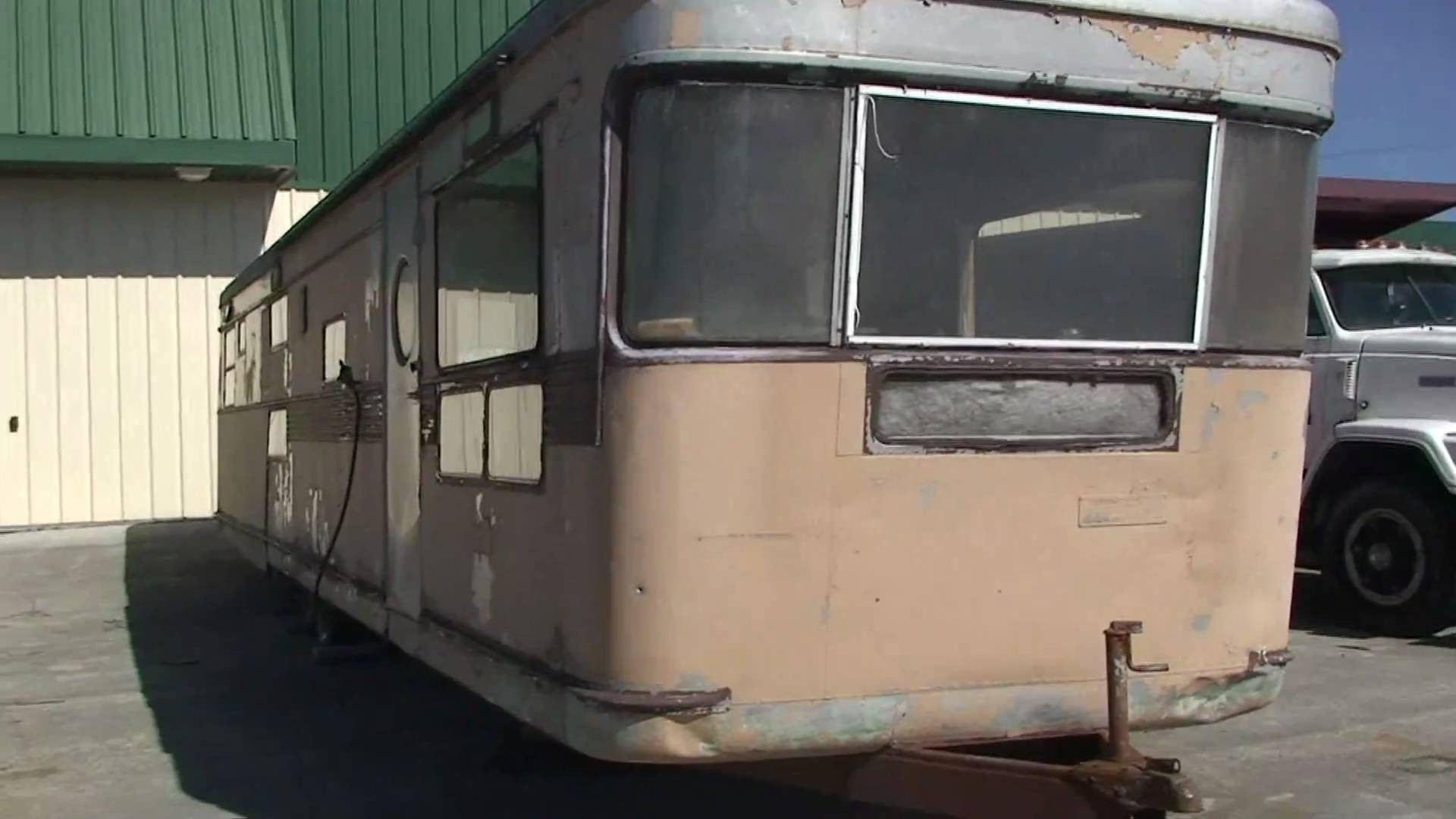 VERY OLD ANTIQUE SPARTAN TRAVEL TRAILER FROM THE 50'S IN WEST ...