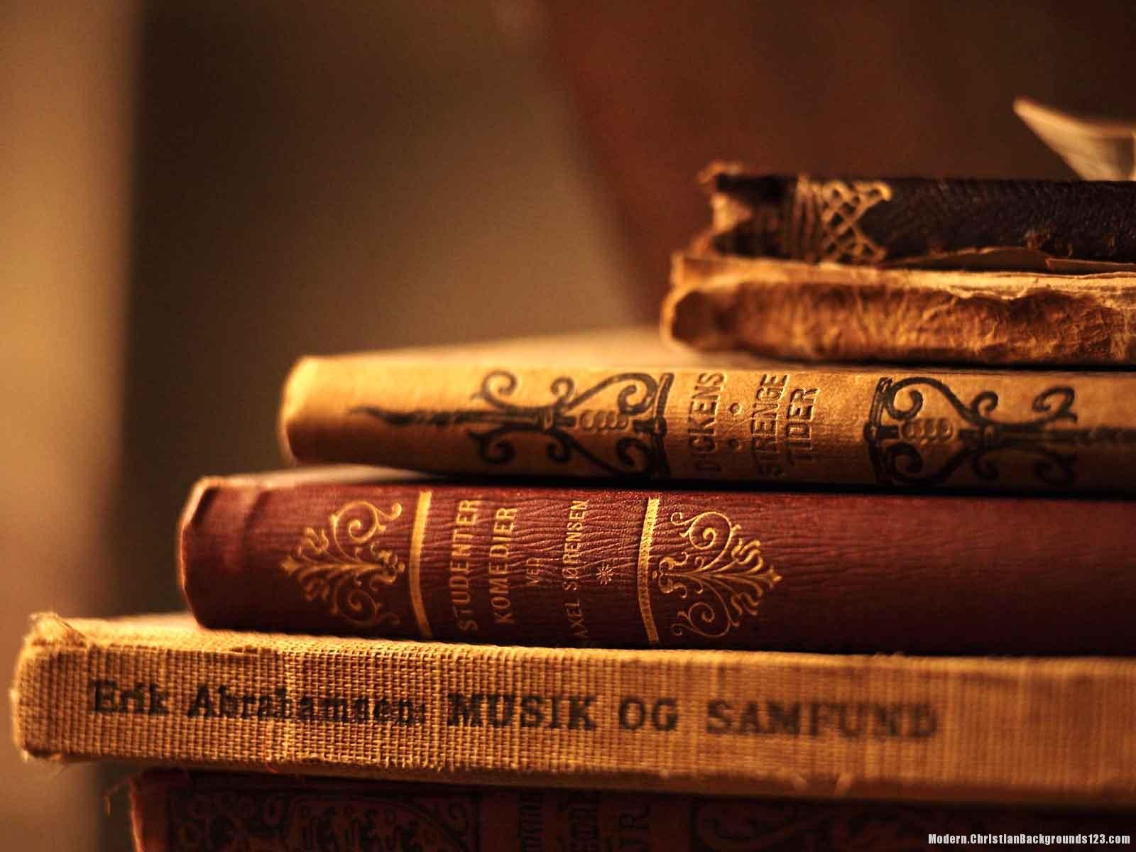 Old Vintage Book PPT Background – Modern Backgrounds