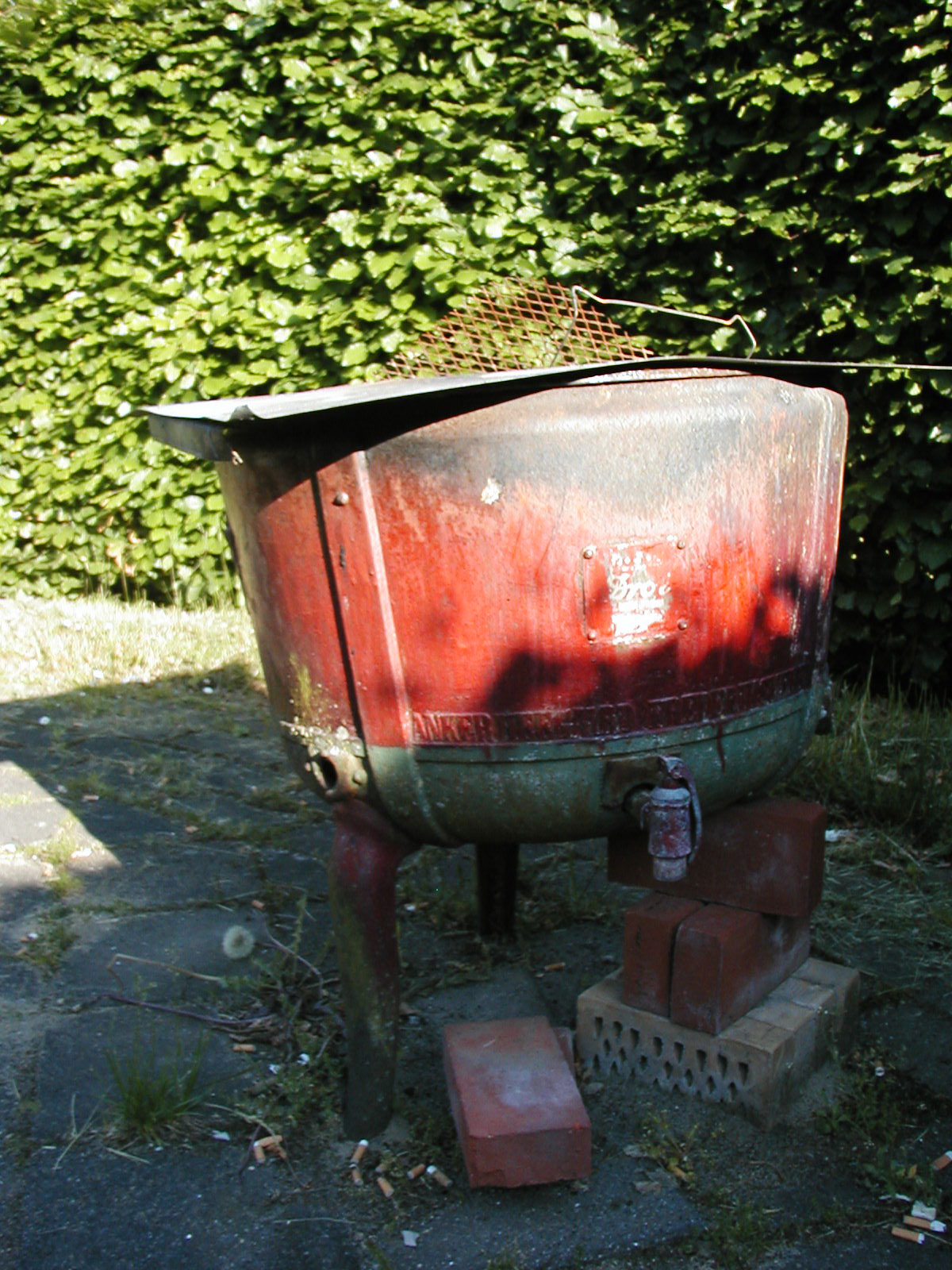 Old watertank used as a barbeque, Barbeque, Bricks, Burned, Cook, HQ Photo